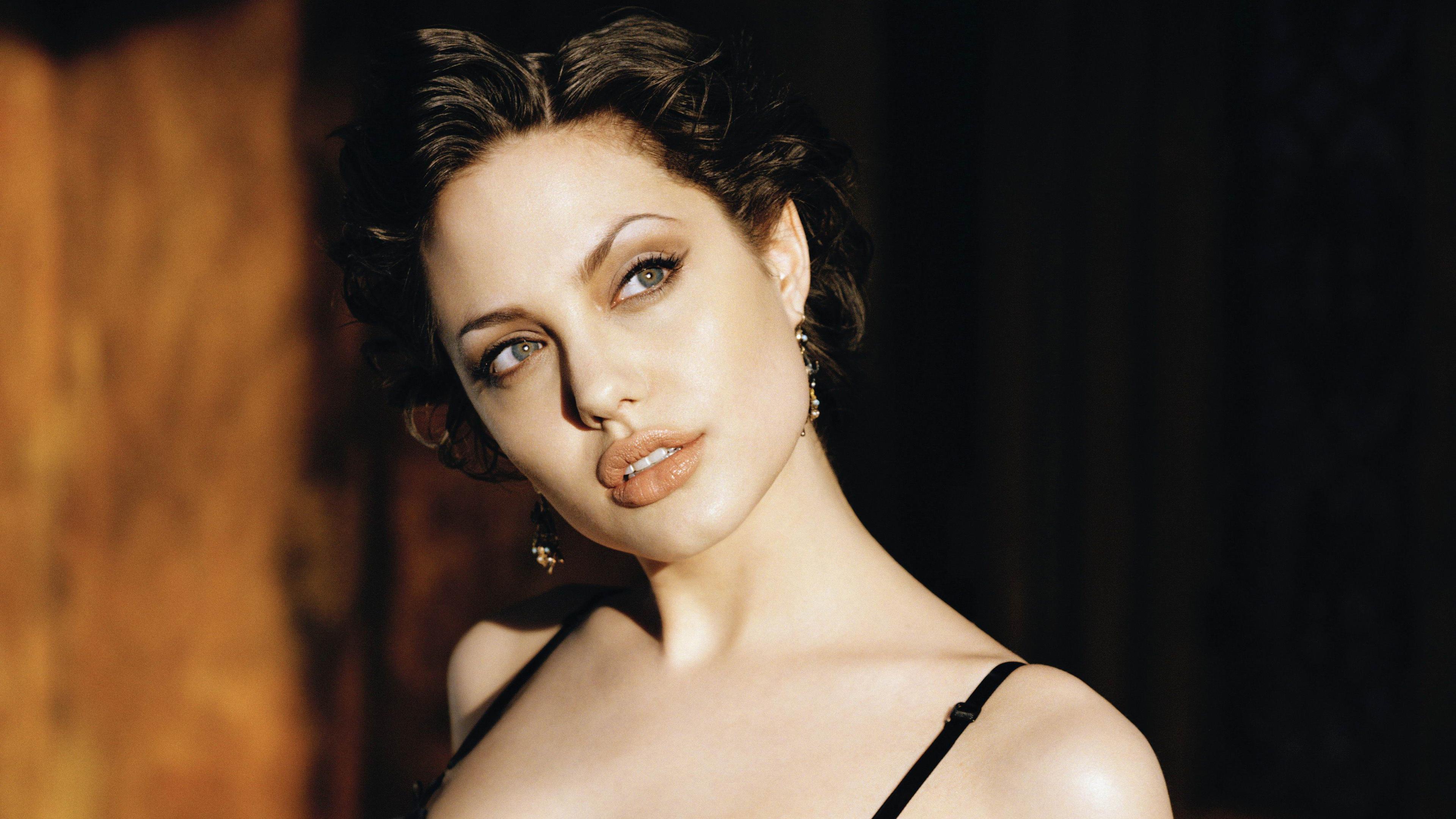 angelina jolie 4k 1536950624 - Angelina Jolie 4k - hd-wallpapers, girls wallpapers, celebrities wallpapers, angelina jolie wallpapers, 4k-wallpapers