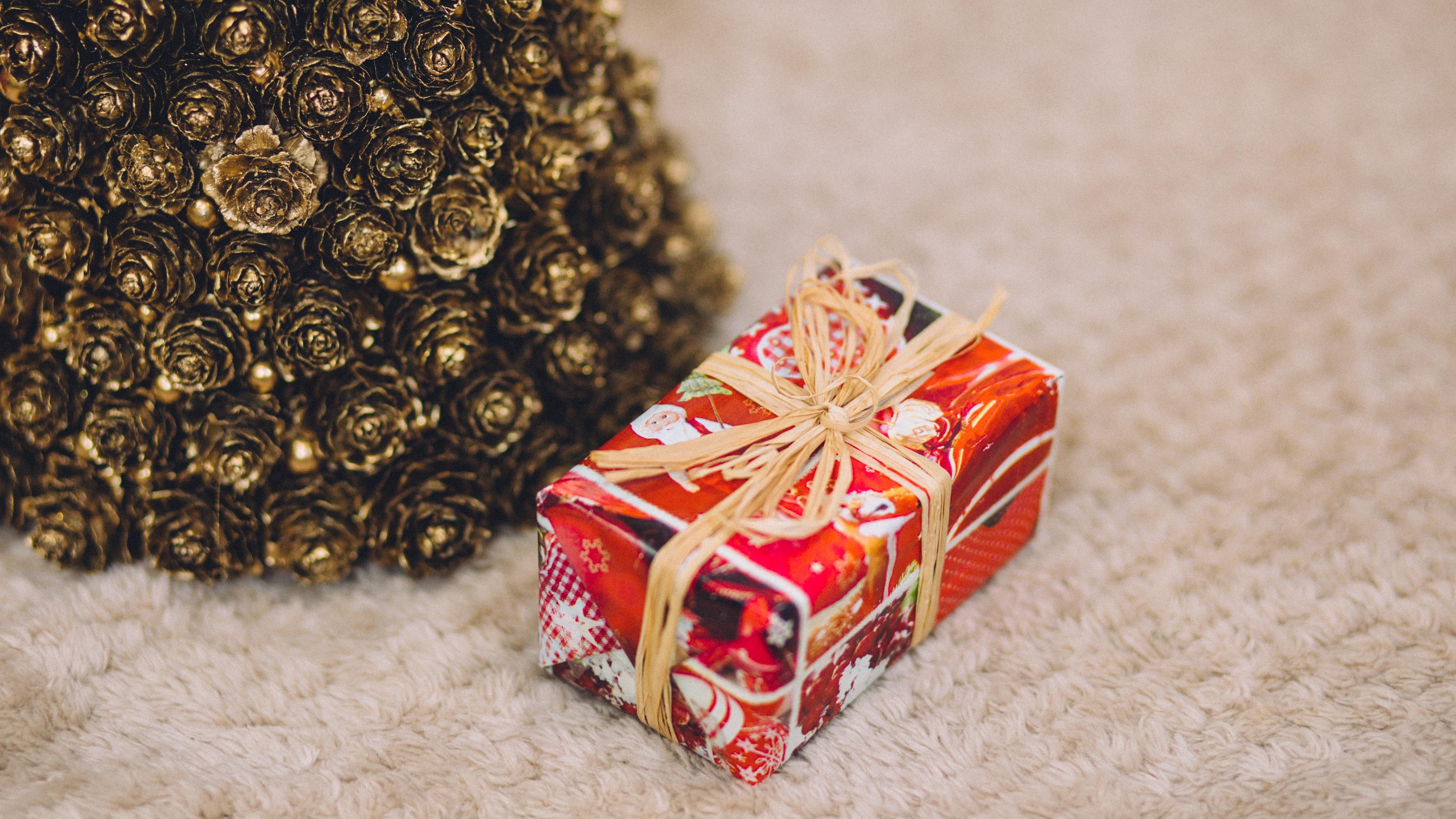 box gift ornaments christmas new year 4k 1538344636 - box, gift, ornaments, christmas, new year 4k - ornaments, Gift, box