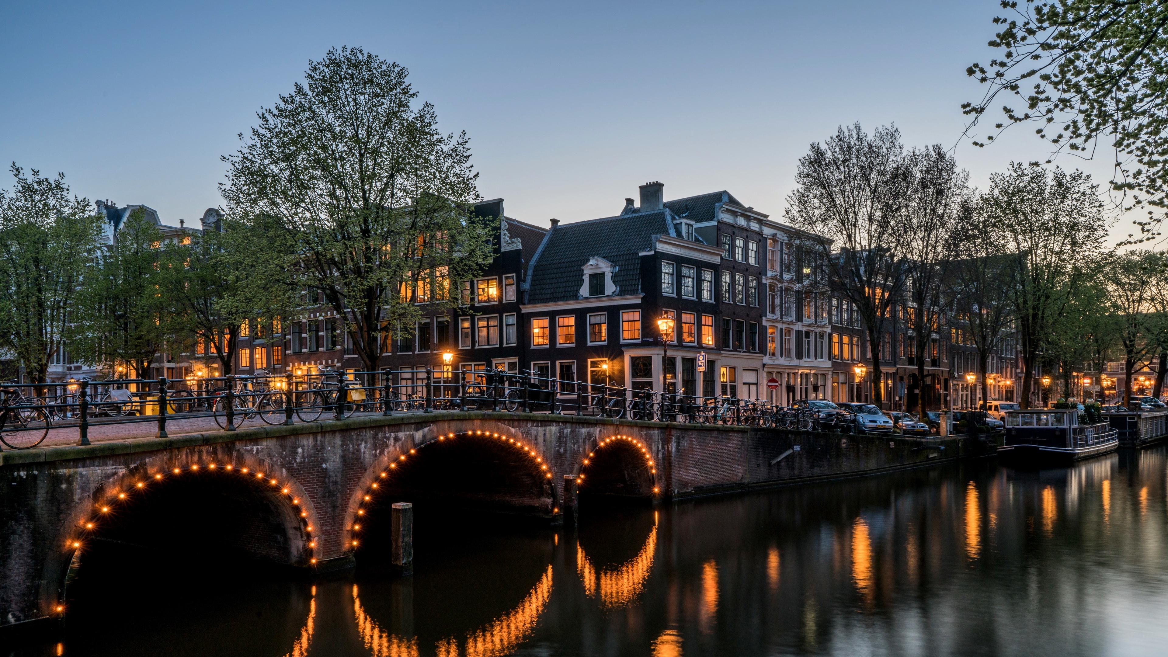 canal buildings bridge amsterdam keizersgracht 4k 1538066402 - canal, buildings, bridge, amsterdam, keizersgracht 4k - Canal, buildings, bridge