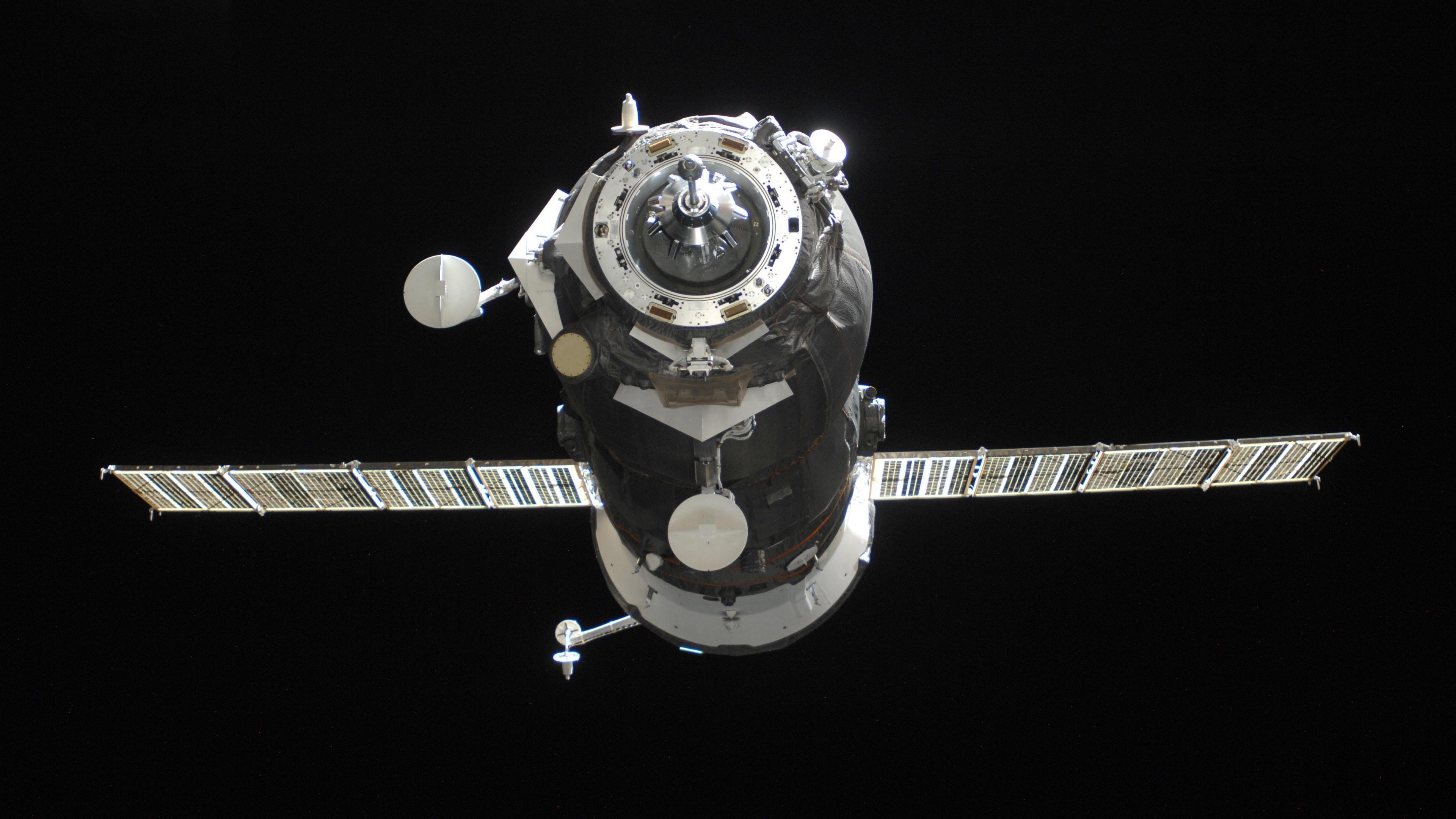 cargo spaceship space flight 4k 1536013811 - cargo spaceship, space, flight 4k - Space, Flight, cargo spaceship