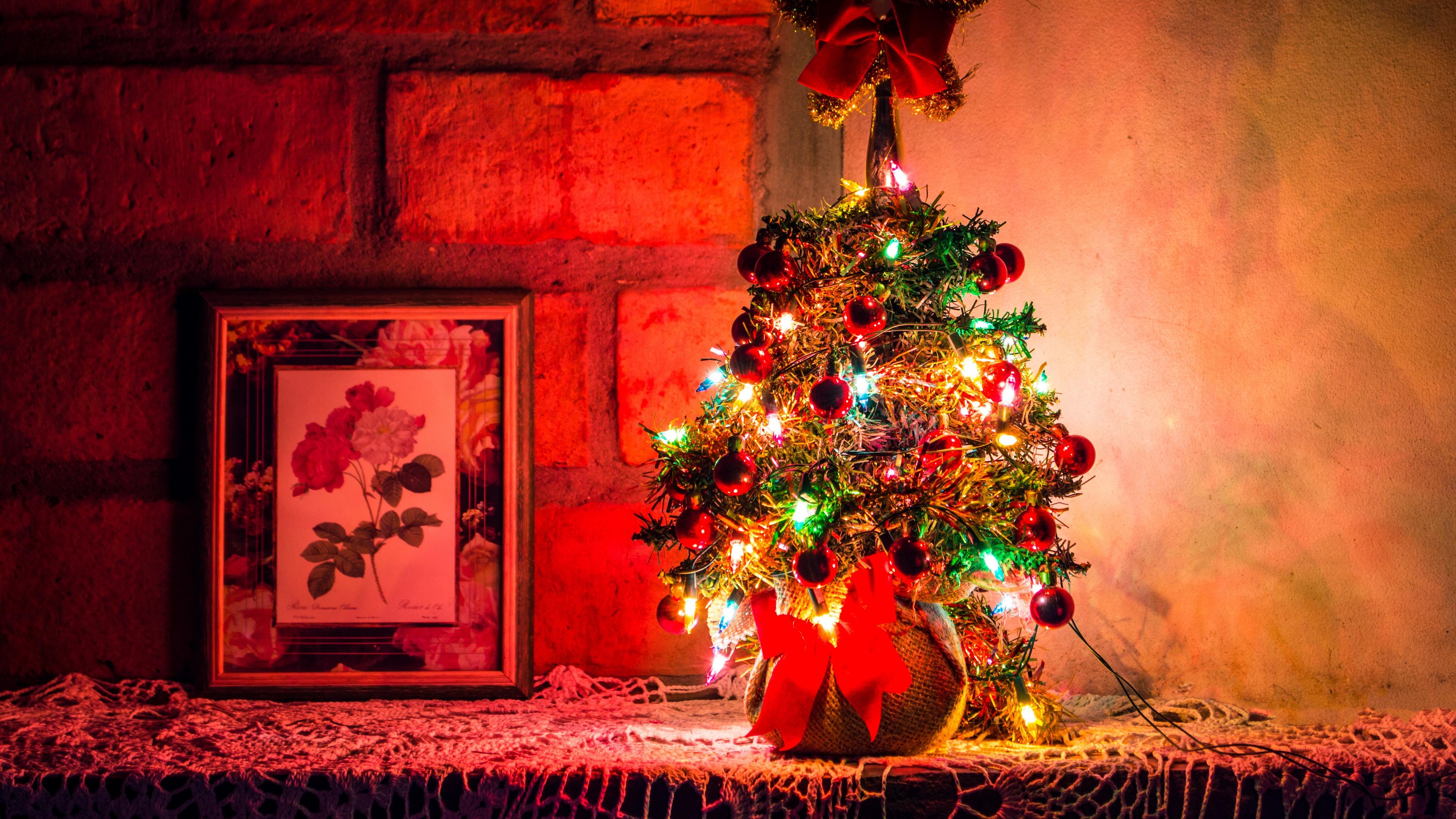 christmas tree new year christmas decoration garlands 4k 1538344992 - christmas tree, new year, christmas, decoration, garlands 4k - new year, christmas tree, Christmas