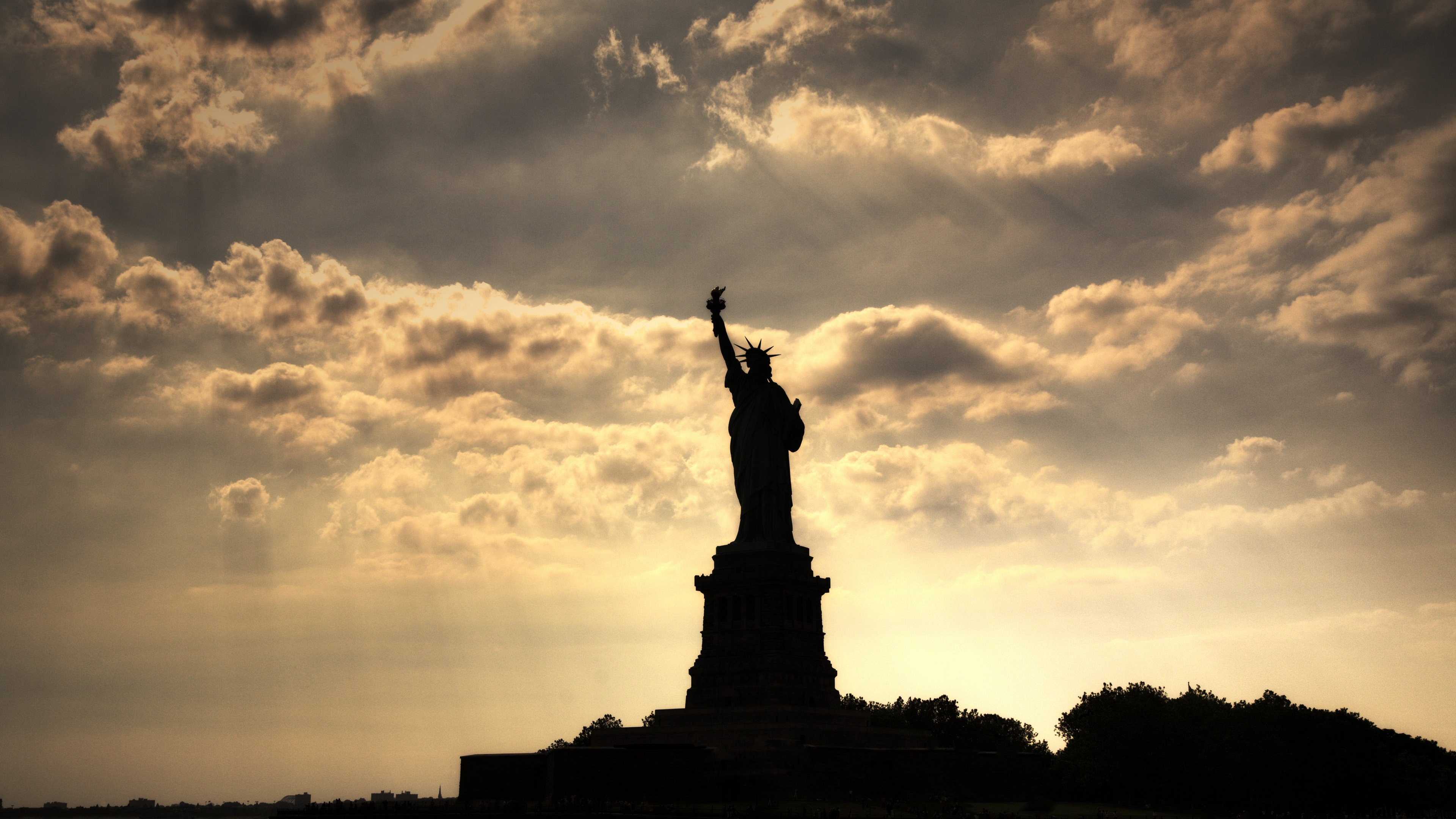 Wallpaper 4k City Statue Statue Of Liberty New York 4k