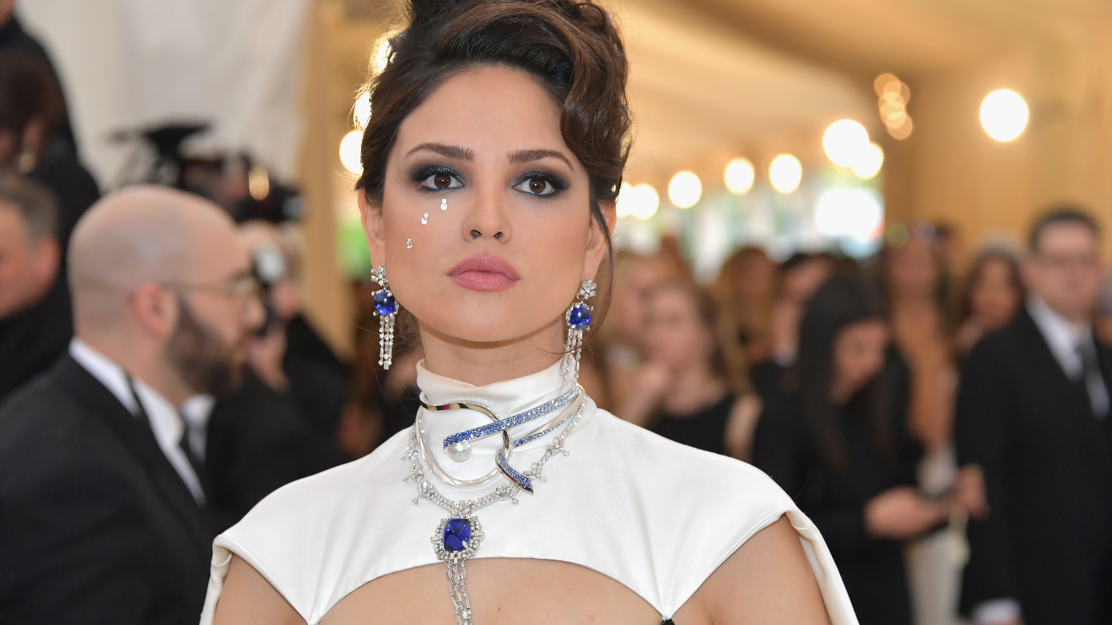 eiza gonzalez at met gala 1536946904 - Eiza Gonzalez At Met Gala - music wallpapers, hd-wallpapers, girls wallpapers, eiza gonzalez wallpapers, celebrities wallpapers, 5k wallpapers, 4k-wallpapers