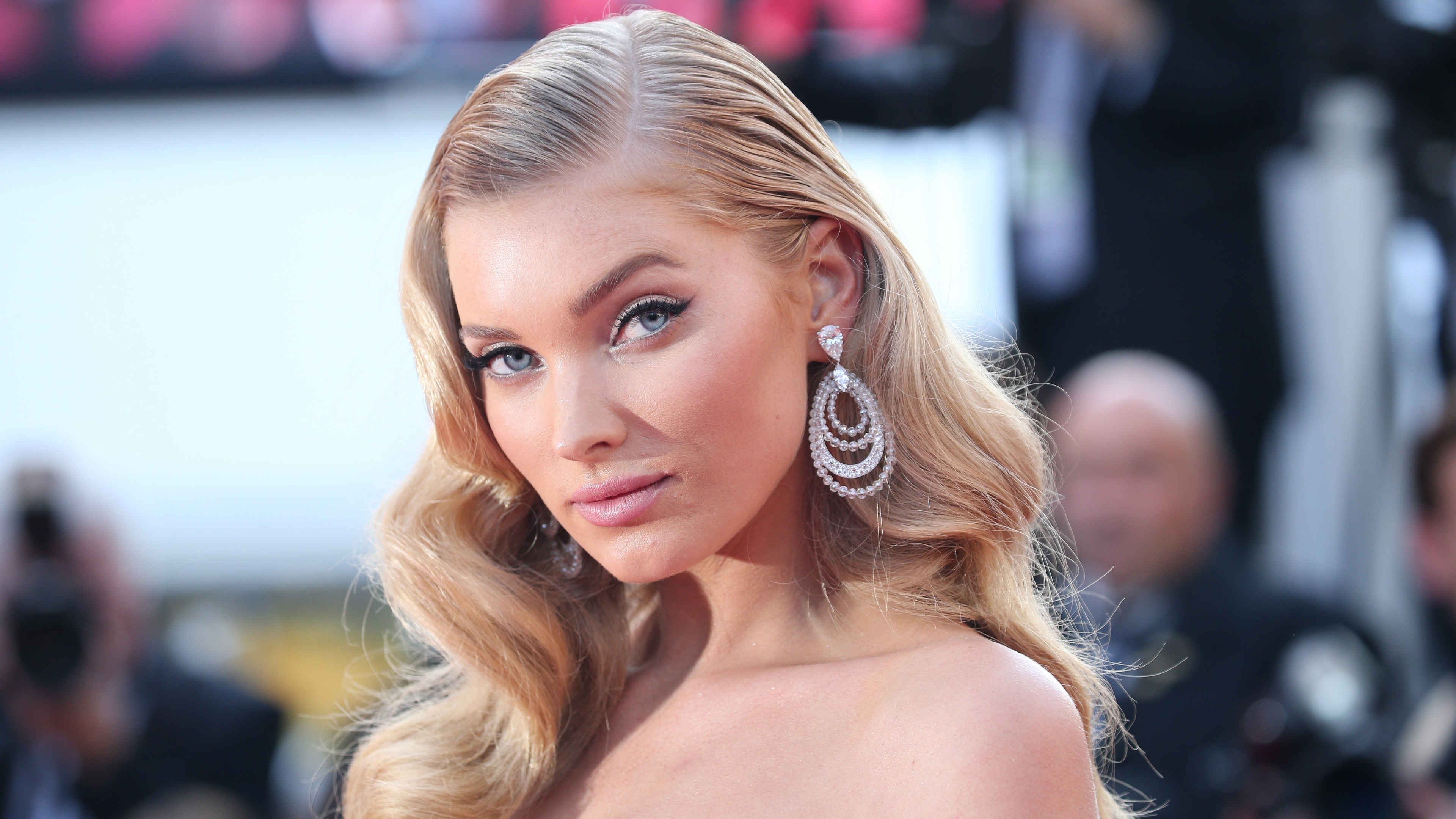 elsa hosk latest 1536950130 - Elsa Hosk Latest - model wallpapers, hd-wallpapers, girls wallpapers, elsa hosk wallpapers, 5k wallpapers, 4k-wallpapers