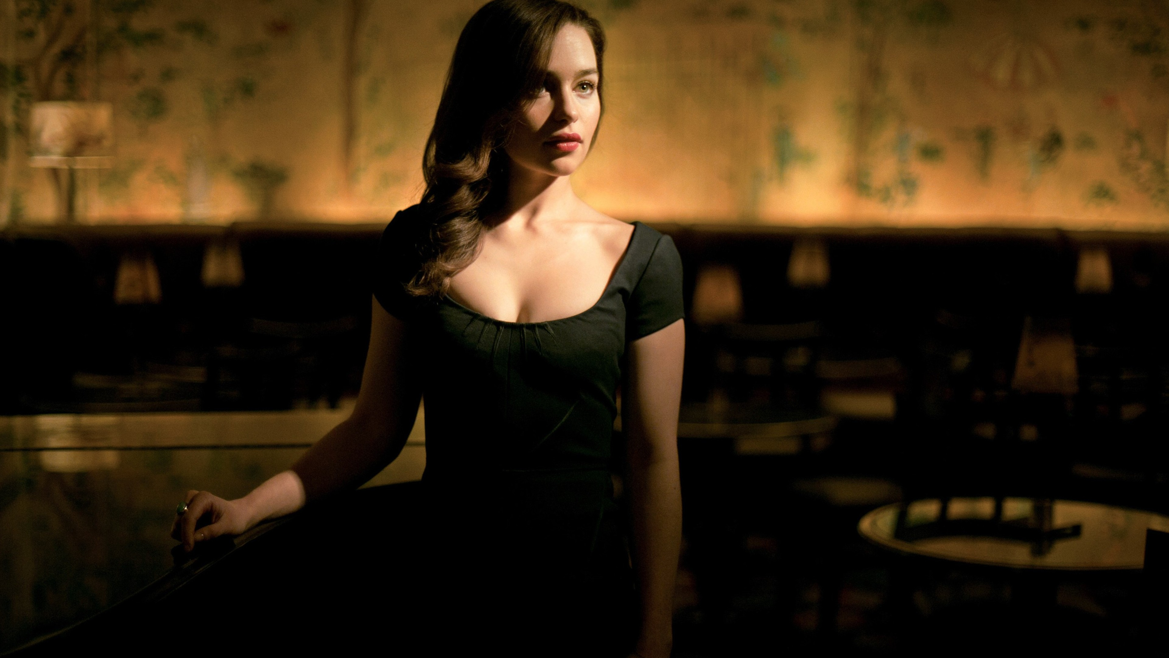 emilia clarke cleavage 1536855755 - Emilia Clarke Cleavage - tv shows wallpapers, game of thrones wallpapers, emilia clarke wallpapers, celebrities wallpapers