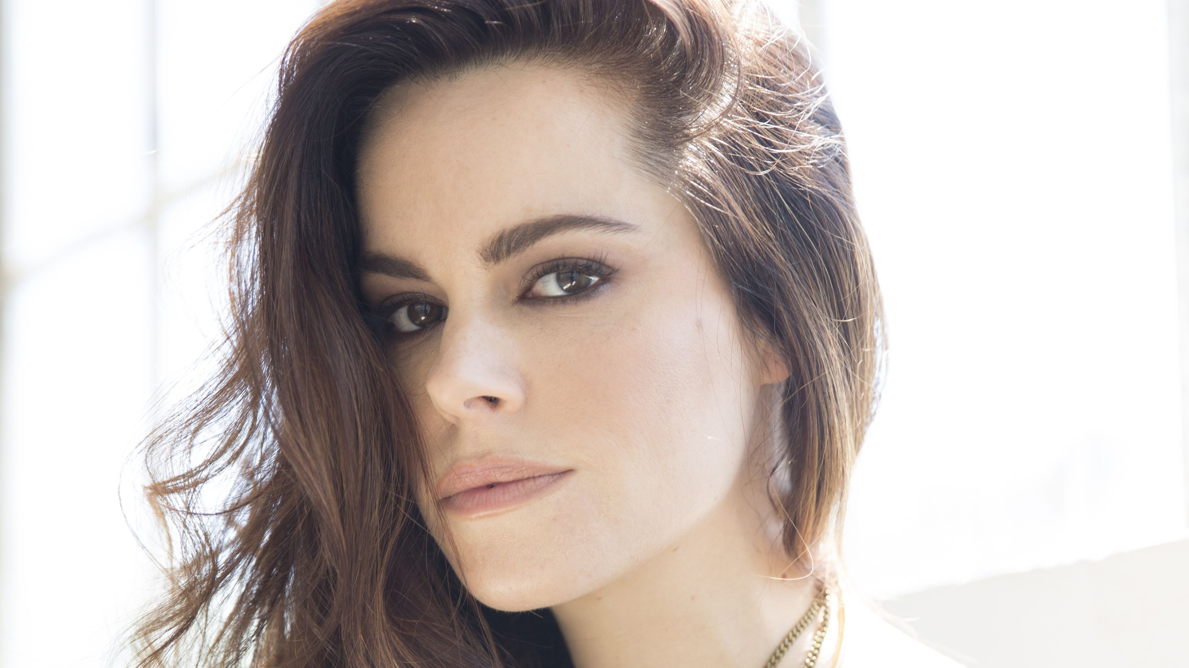 emily hampshire 1536944568 - Emily Hampshire - hd-wallpapers, girls wallpapers, emily hampshire wallpapers, celebrities wallpapers, 4k-wallpapers