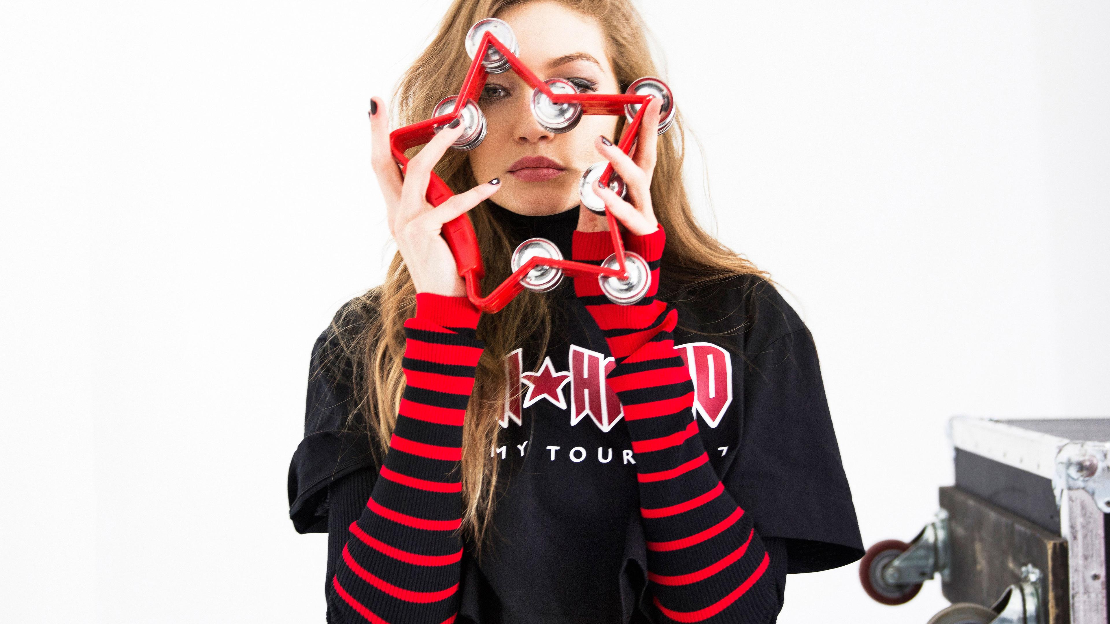 gigi hadid tommy x spring summer 2019 1536950232 - Gigi Hadid Tommy X Spring Summer 2019 - model wallpapers, hd-wallpapers, girls wallpapers, gigi hadid wallpapers, celebrities wallpapers, 5k wallpapers, 4k-wallpapers