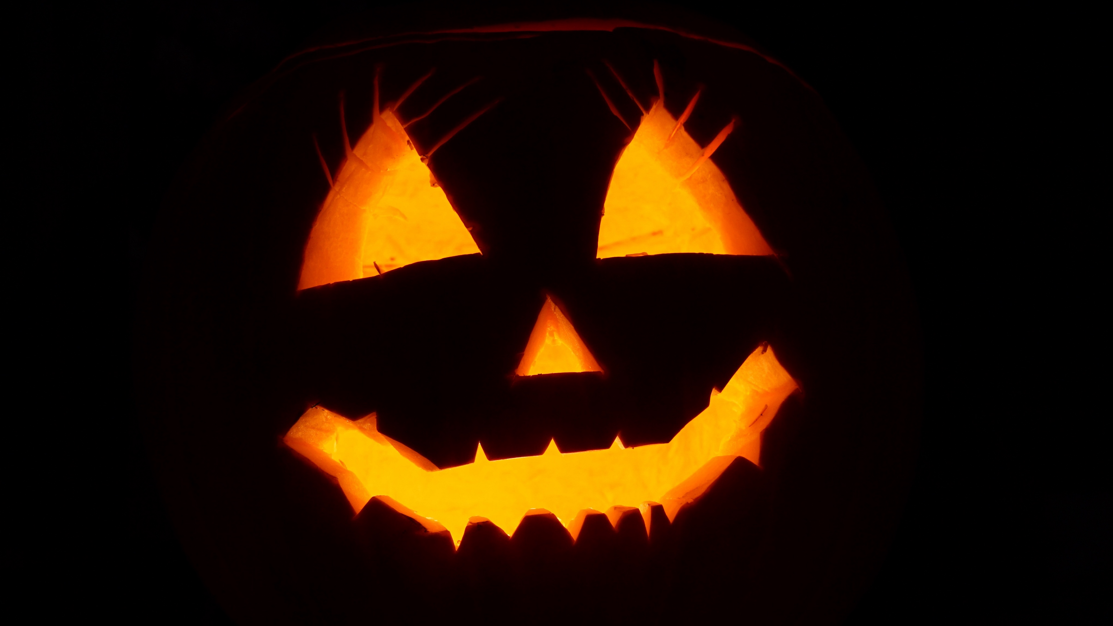 halloween face black background 4k 1538344911 - halloween, face, black background 4k - halloween, Face, black background