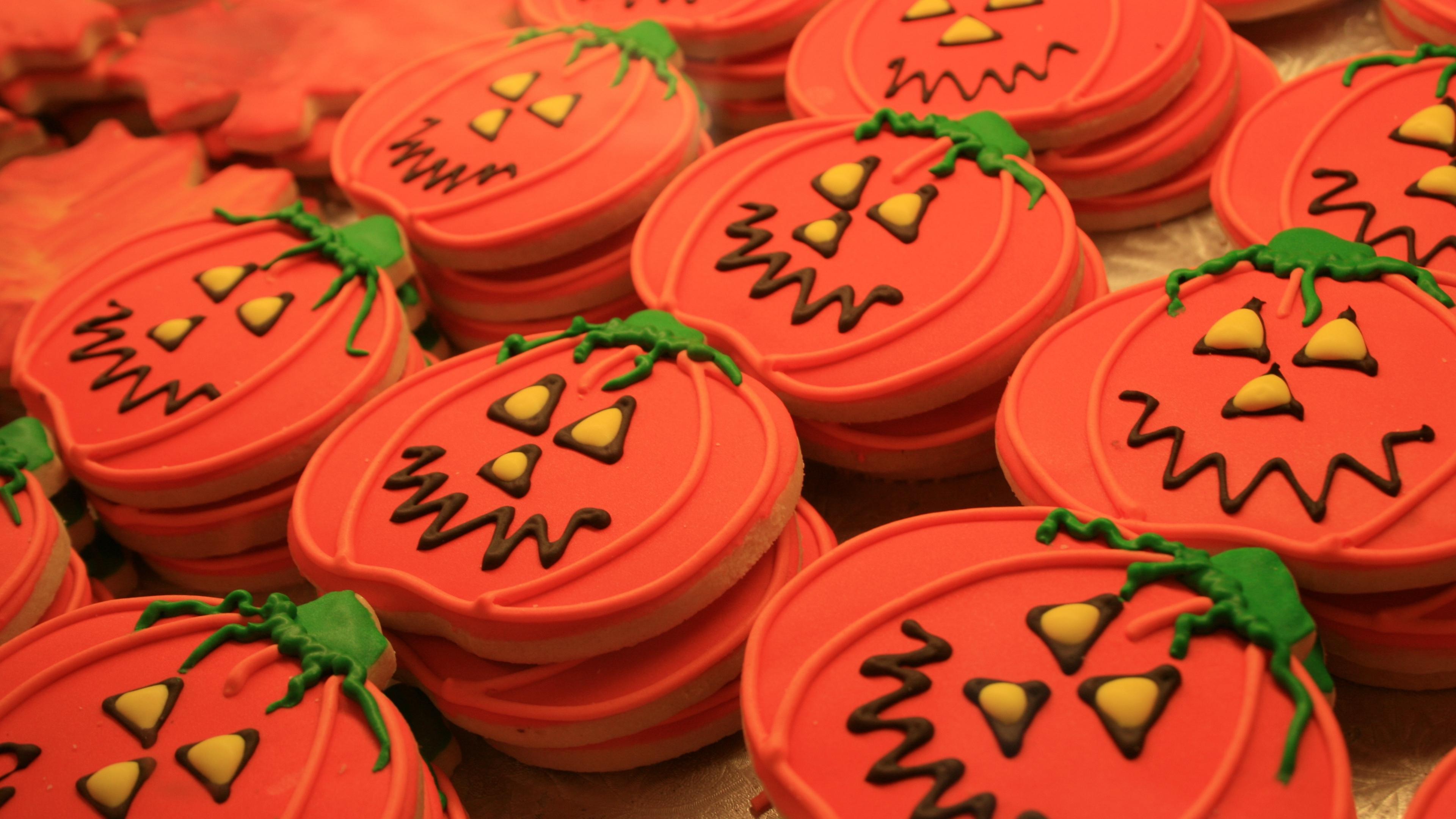 halloween pumpkin cookies frosting 4k 1538344719 - halloween, pumpkin, cookies, frosting 4k - pumpkin, halloween, cookies