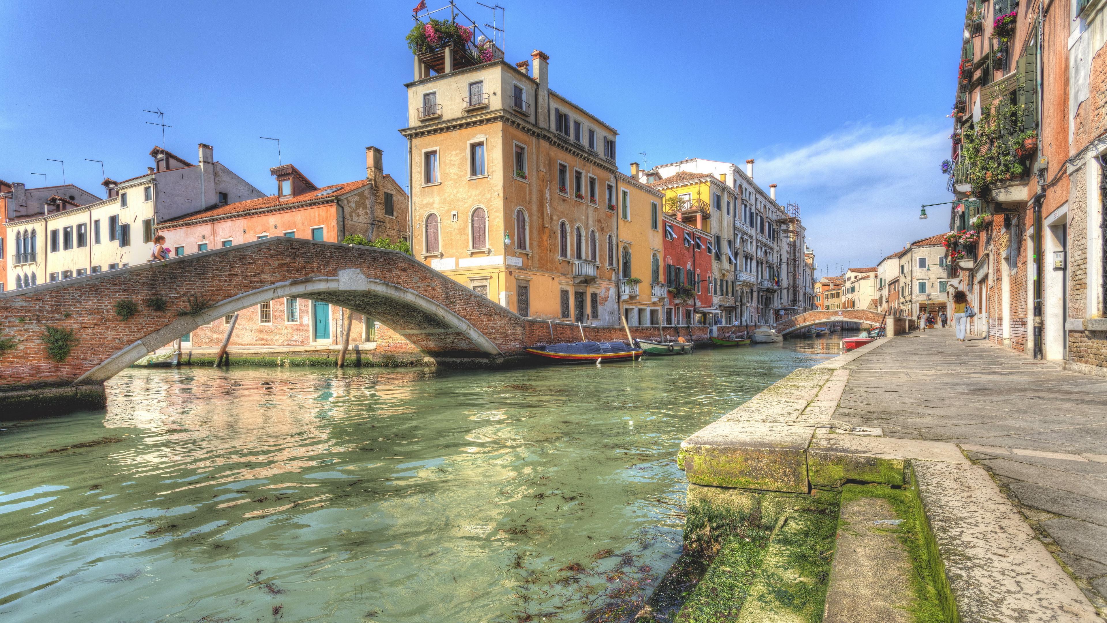 italy venice river bridge houses 4k 1538066246 - italy, venice, river, bridge, houses 4k - Venice, River, Italy