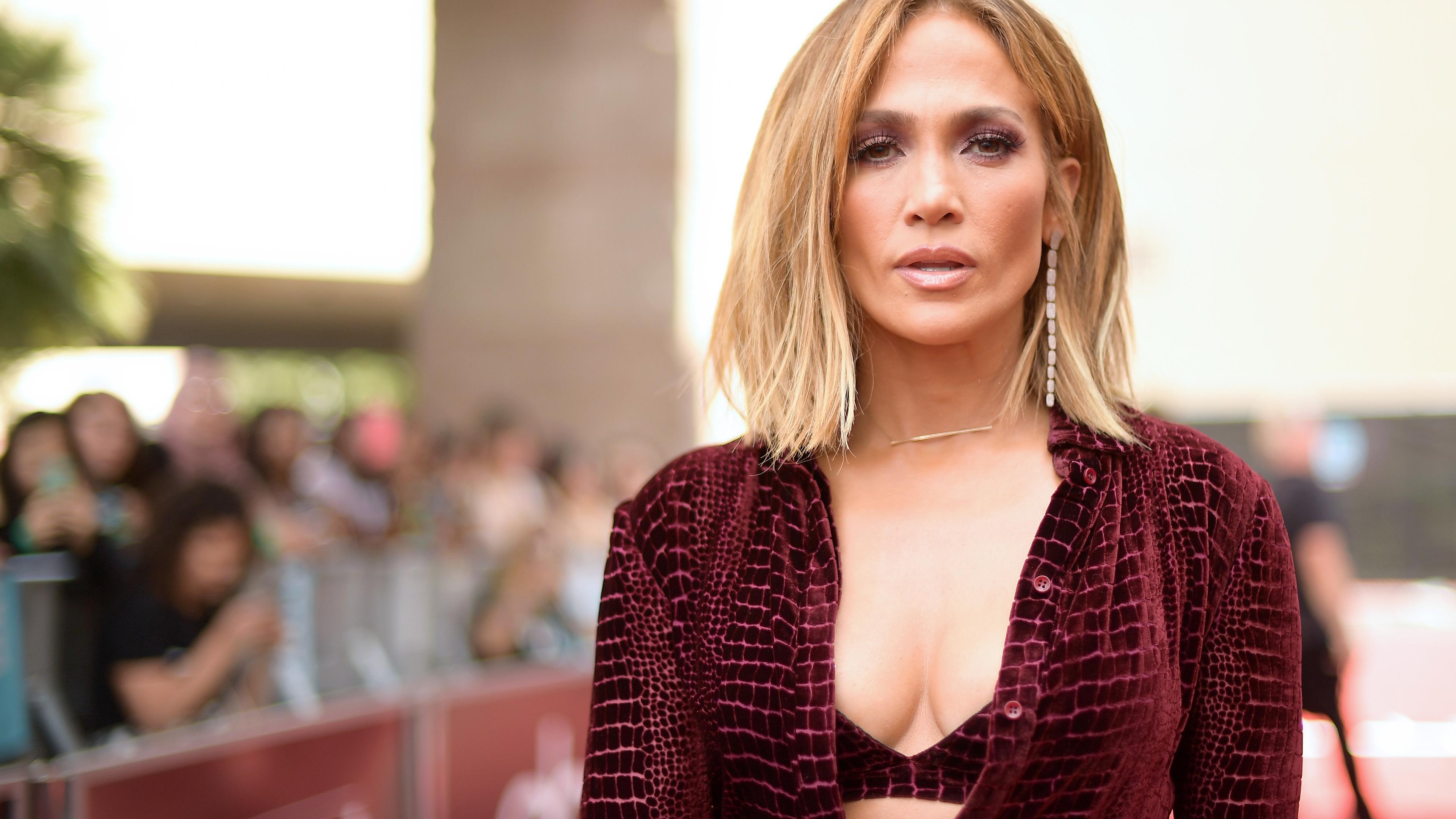 Wallpaper 4k Jennifer Lopez At Billboard Awards 4k