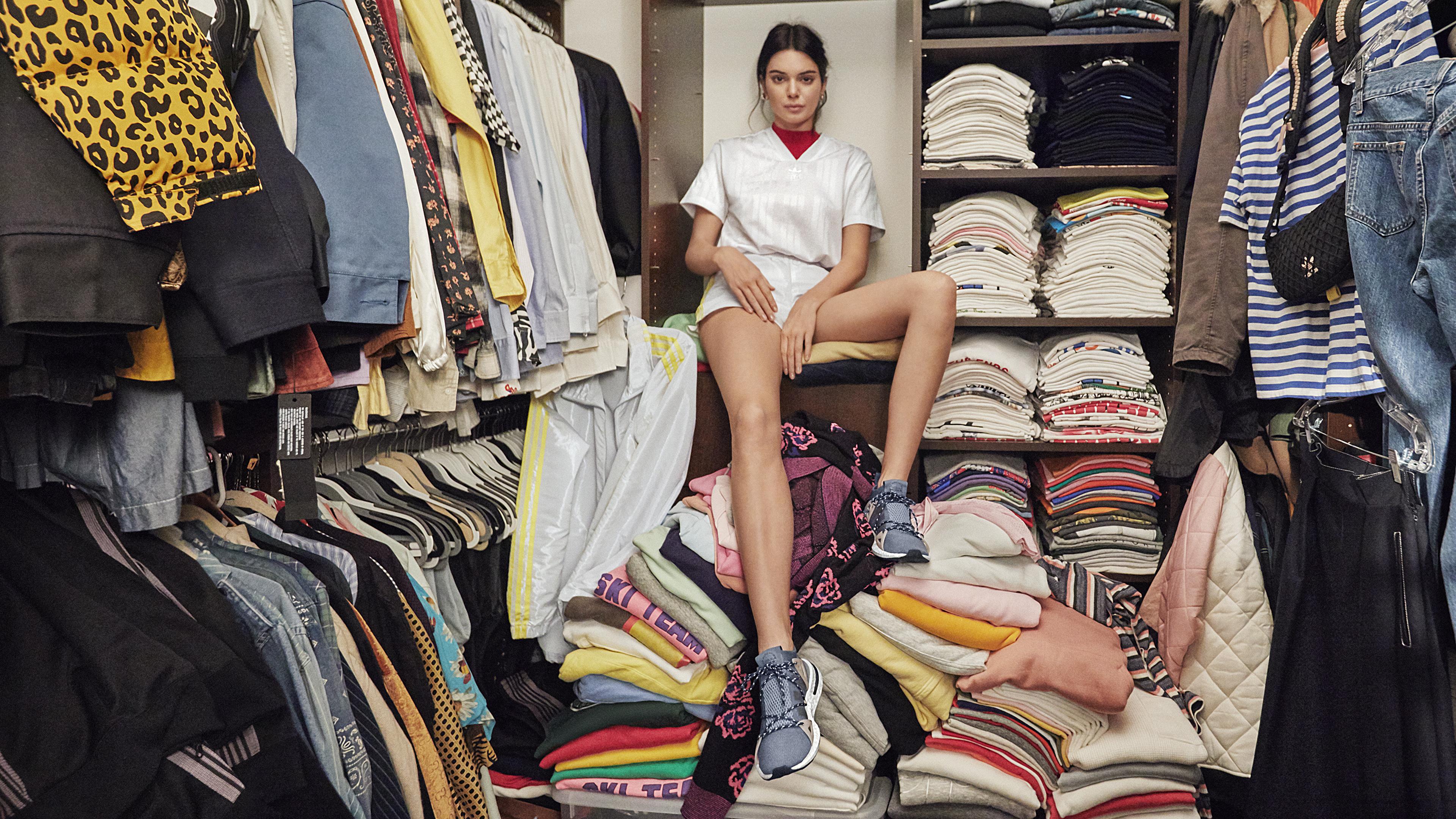 kendall jenner adidas 2019 4k 1536944586 - Kendall Jenner Adidas 2019 4k - model wallpapers, kendall jenner wallpapers, hd-wallpapers, girls wallpapers, celebrities wallpapers, adidas wallpapers, 4k-wallpapers