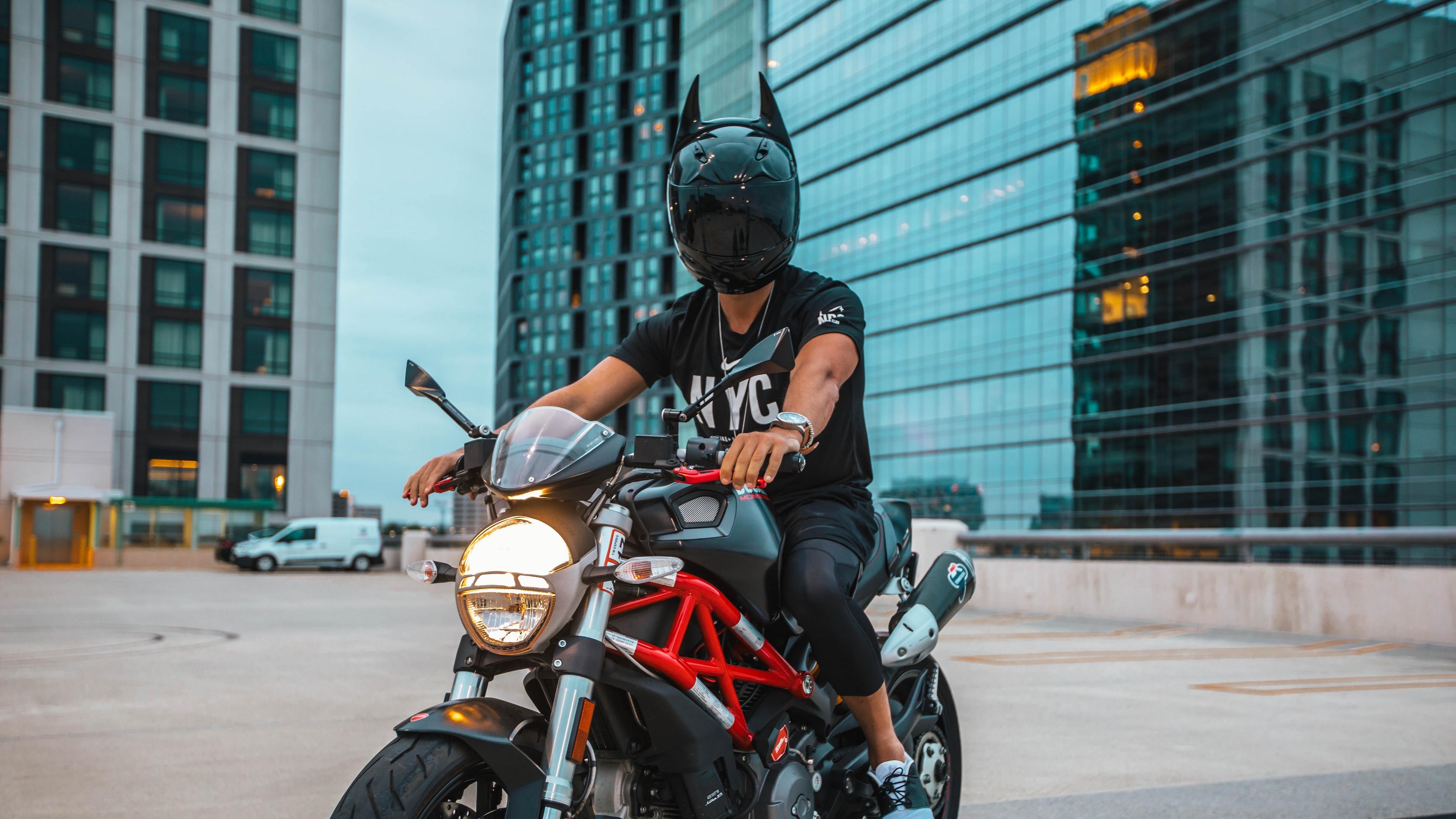 motorcyclist motorcycle helmet man 4k 1536018335 - motorcyclist, motorcycle, helmet, man 4k - motorcyclist, Motorcycle, helmet