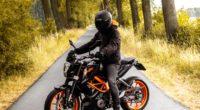 motorcyclist motorcycle helmet road 4k 1536018794 200x110 - motorcyclist, motorcycle, helmet, road 4k - motorcyclist, Motorcycle, helmet