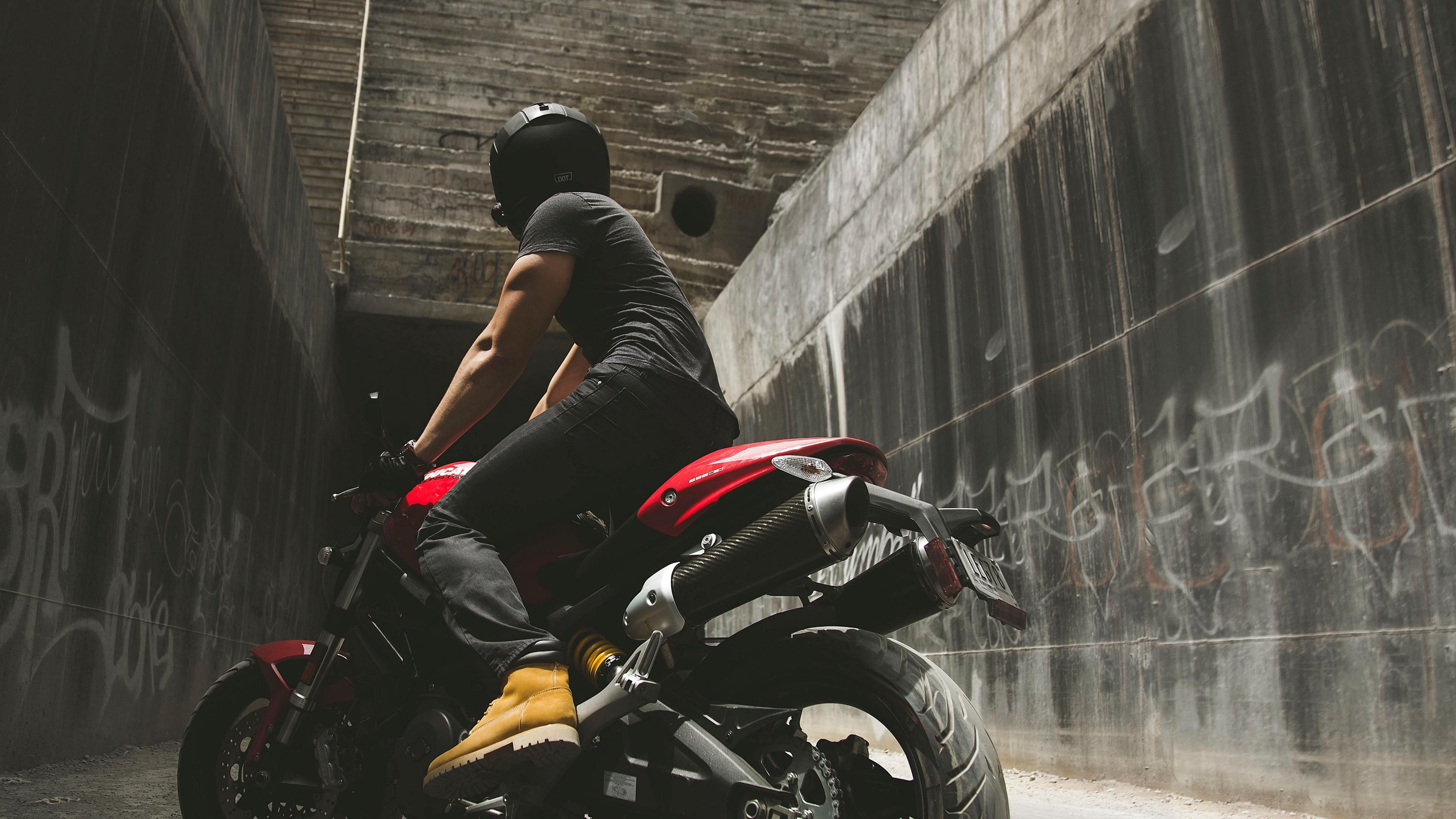 motorcyclist motorcycle helmet wall concrete 4k 1536018393 - motorcyclist, motorcycle, helmet, wall, concrete 4k - motorcyclist, Motorcycle, helmet