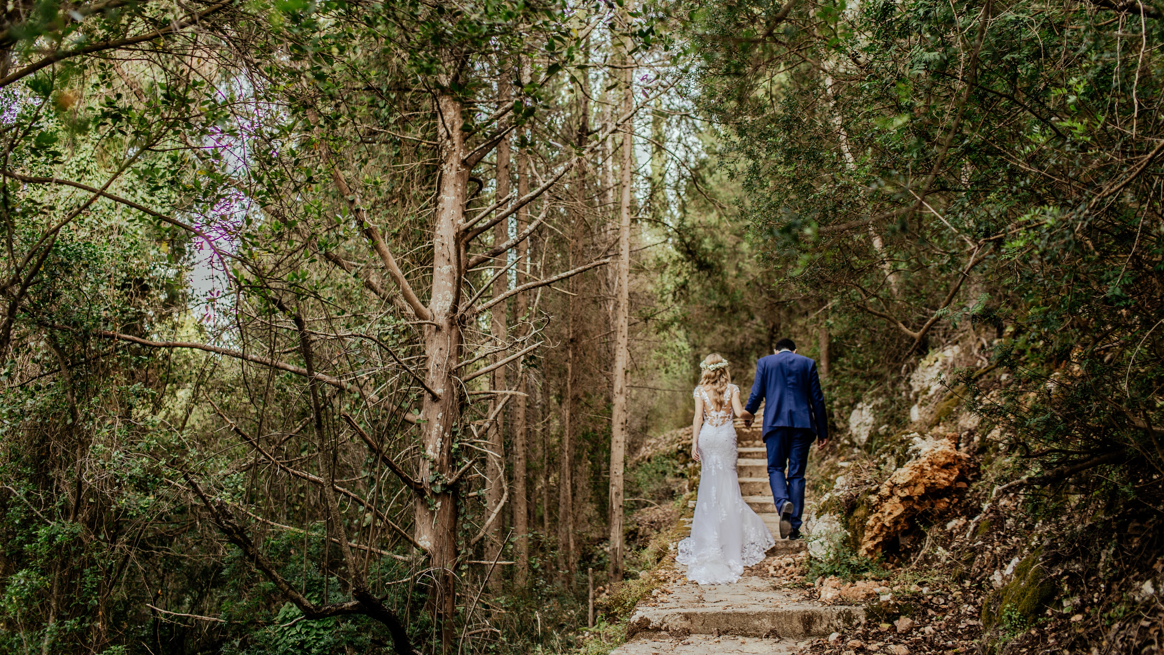 newlyweds marrieds couple love photoshoot walk 4k 1538344983 - newlyweds, marrieds, couple, love, photoshoot, walk 4k - newlyweds, marrieds, Couple