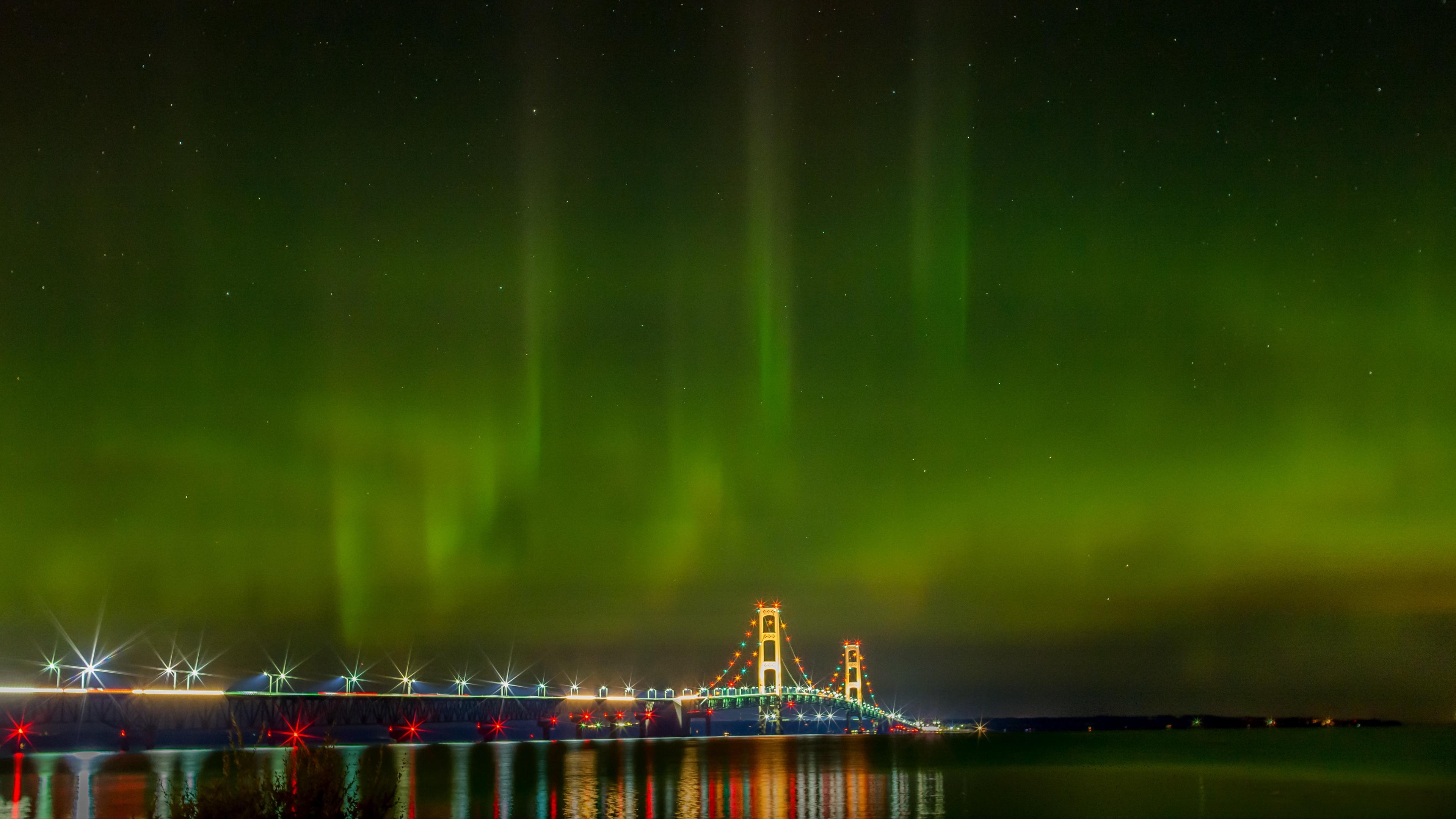 northern lights aurora bridge night michigan usa 4k 1538067576 - northern lights, aurora, bridge, night, michigan, usa 4k - northern lights, bridge, Aurora