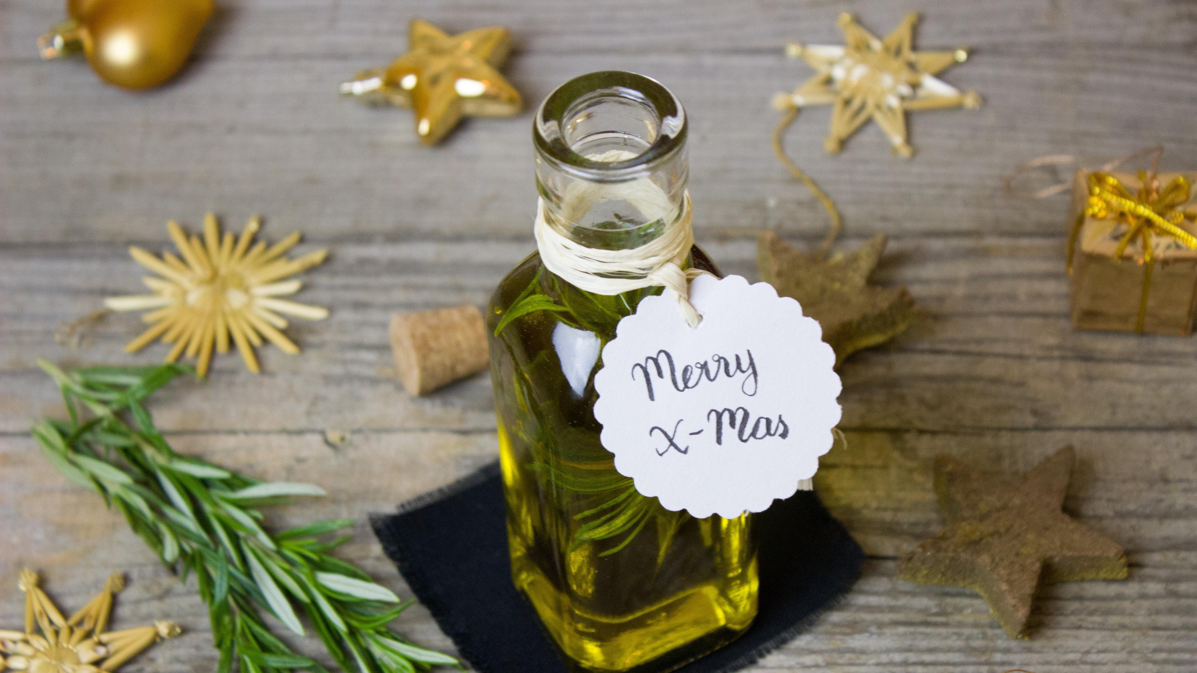 rosemary olive oil christmas 4k 1538344934 - rosemary, olive oil, christmas 4k - rosemary, olive oil, Christmas