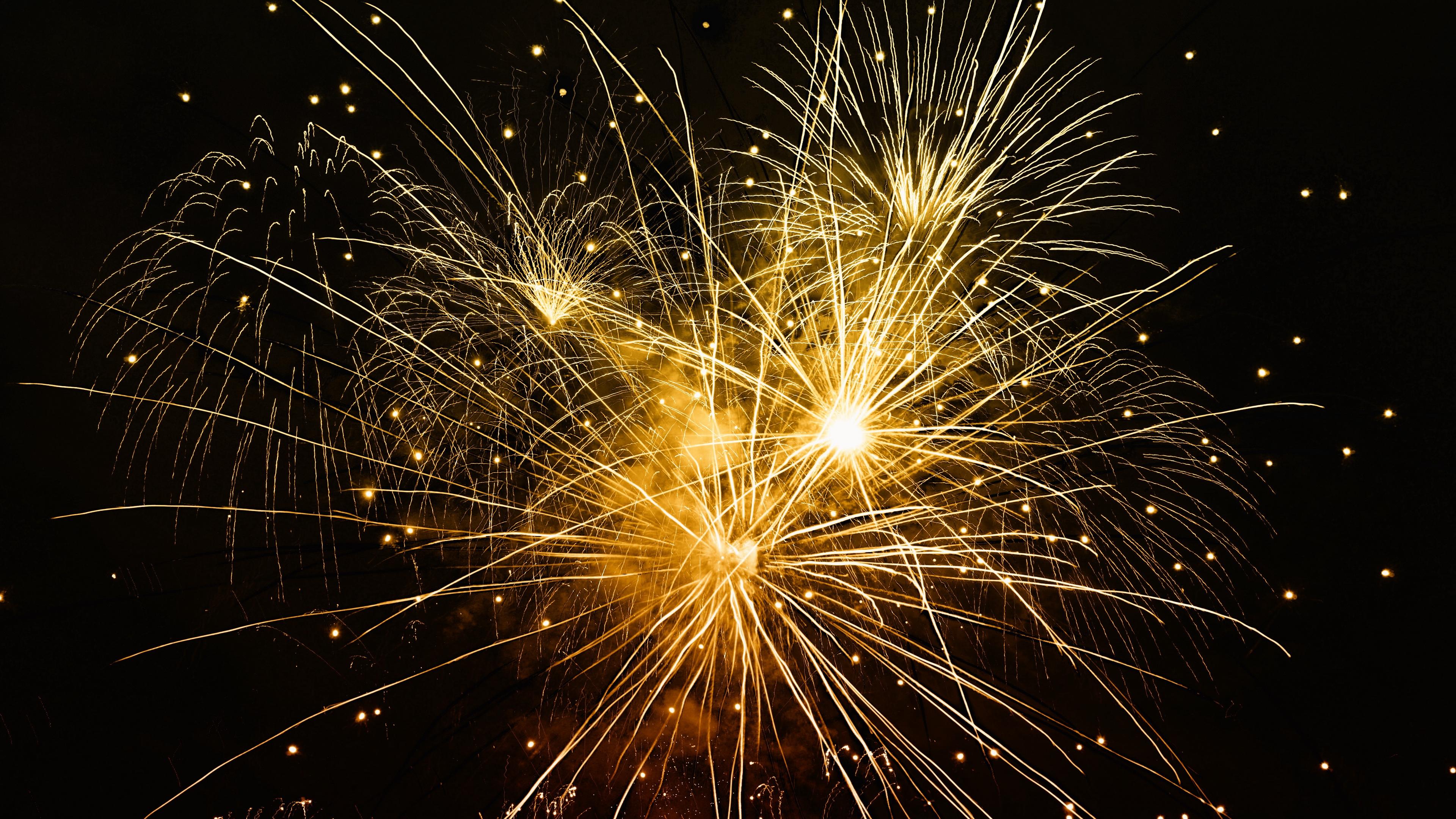 salute fireworks celebration 4k 1538344519 - salute, fireworks, celebration 4k - salute, Fireworks, Celebration