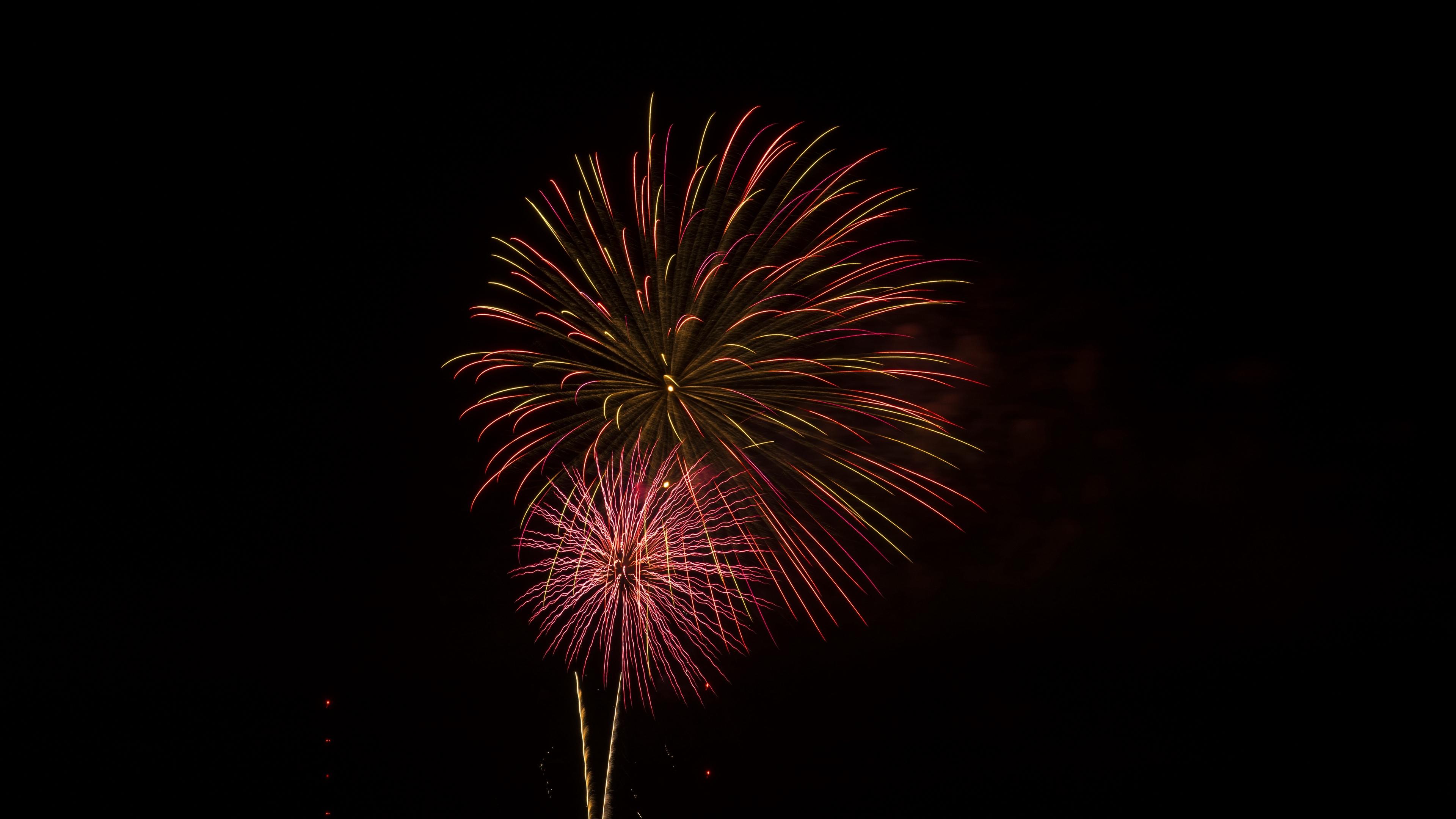 salute fireworks celebration rays sparks 4k 1538345127 - salute, fireworks, celebration, rays, sparks 4k - salute, Fireworks, Celebration