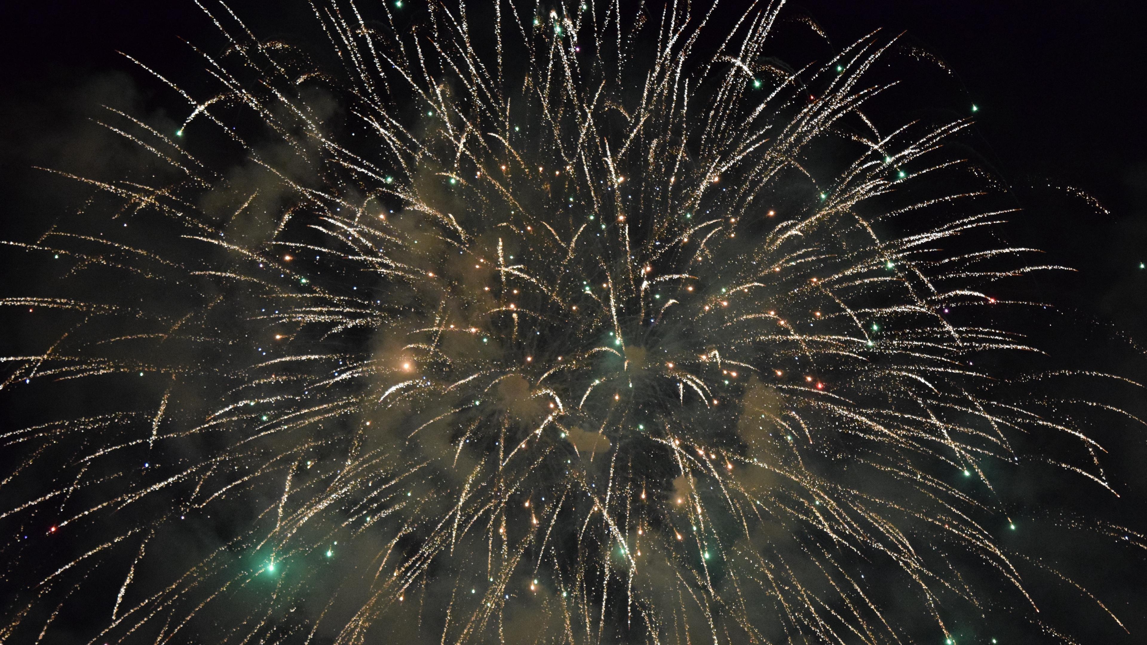 salute fireworks holiday sparks 4k 1538345075 - salute, fireworks, holiday, sparks 4k - salute, Holiday, Fireworks