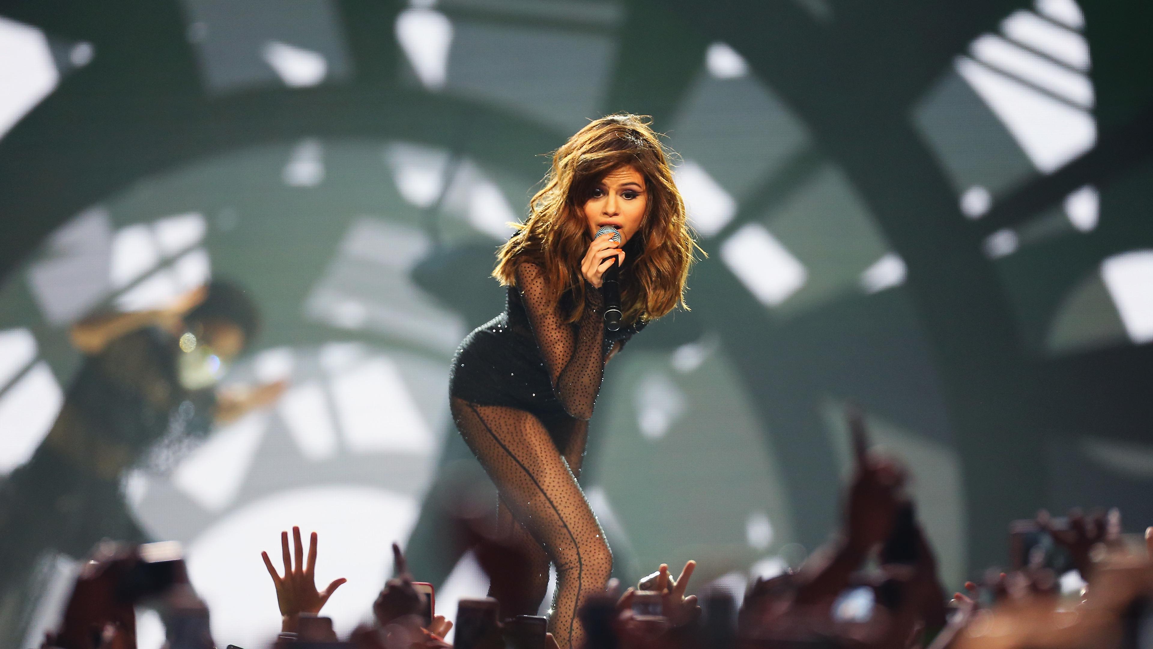 selena gomez live on stage 5k 1536944512 - Selena Gomez Live On Stage 5k - selena gomez wallpapers, music wallpapers, hd-wallpapers, girls wallpapers, celebrities wallpapers, 5k wallpapers, 4k-wallpapers