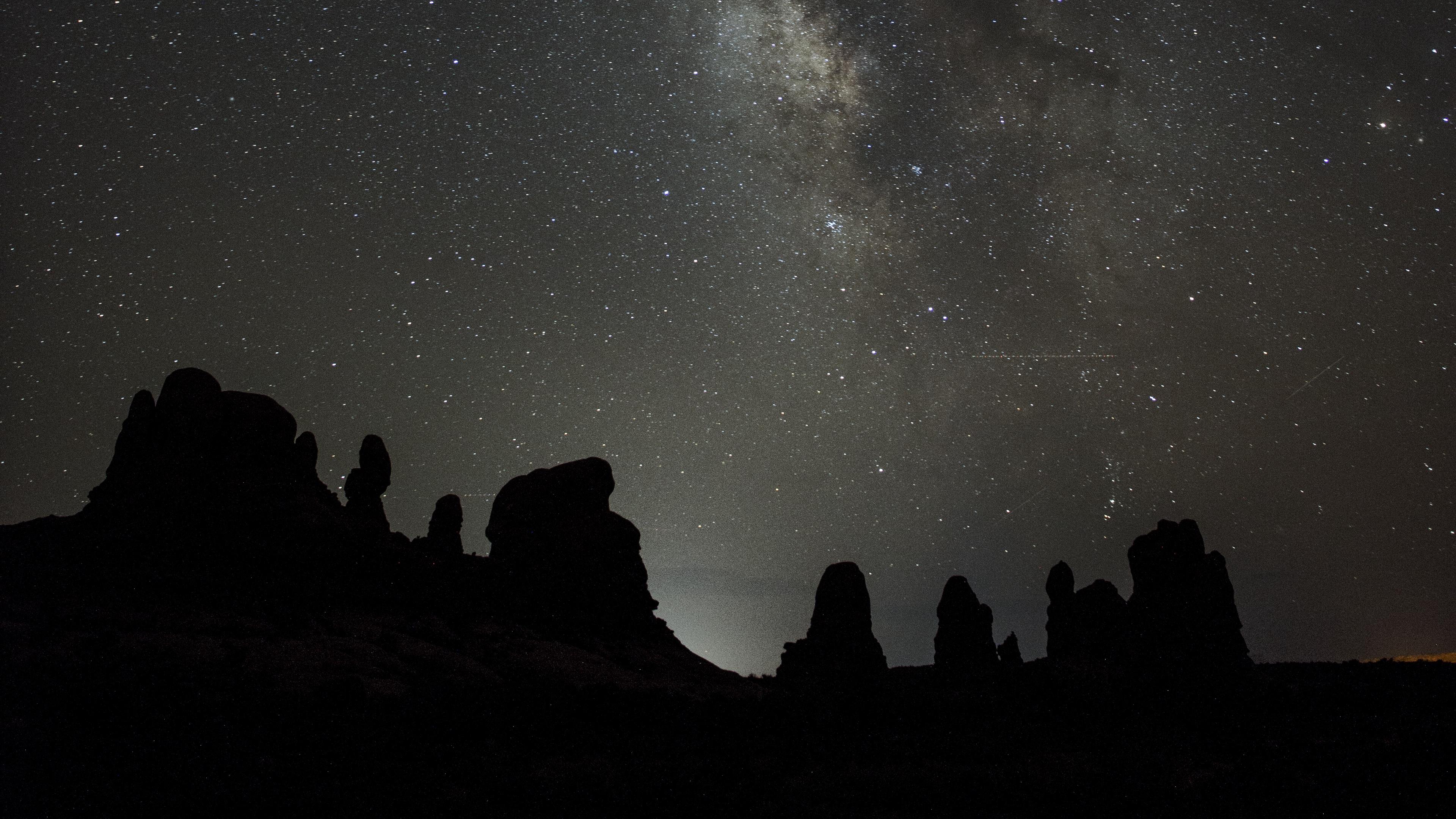 starry sky milky way mountains stars 4k 1536013909 - starry sky, milky way, mountains, stars 4k - starry sky, Mountains, milky way