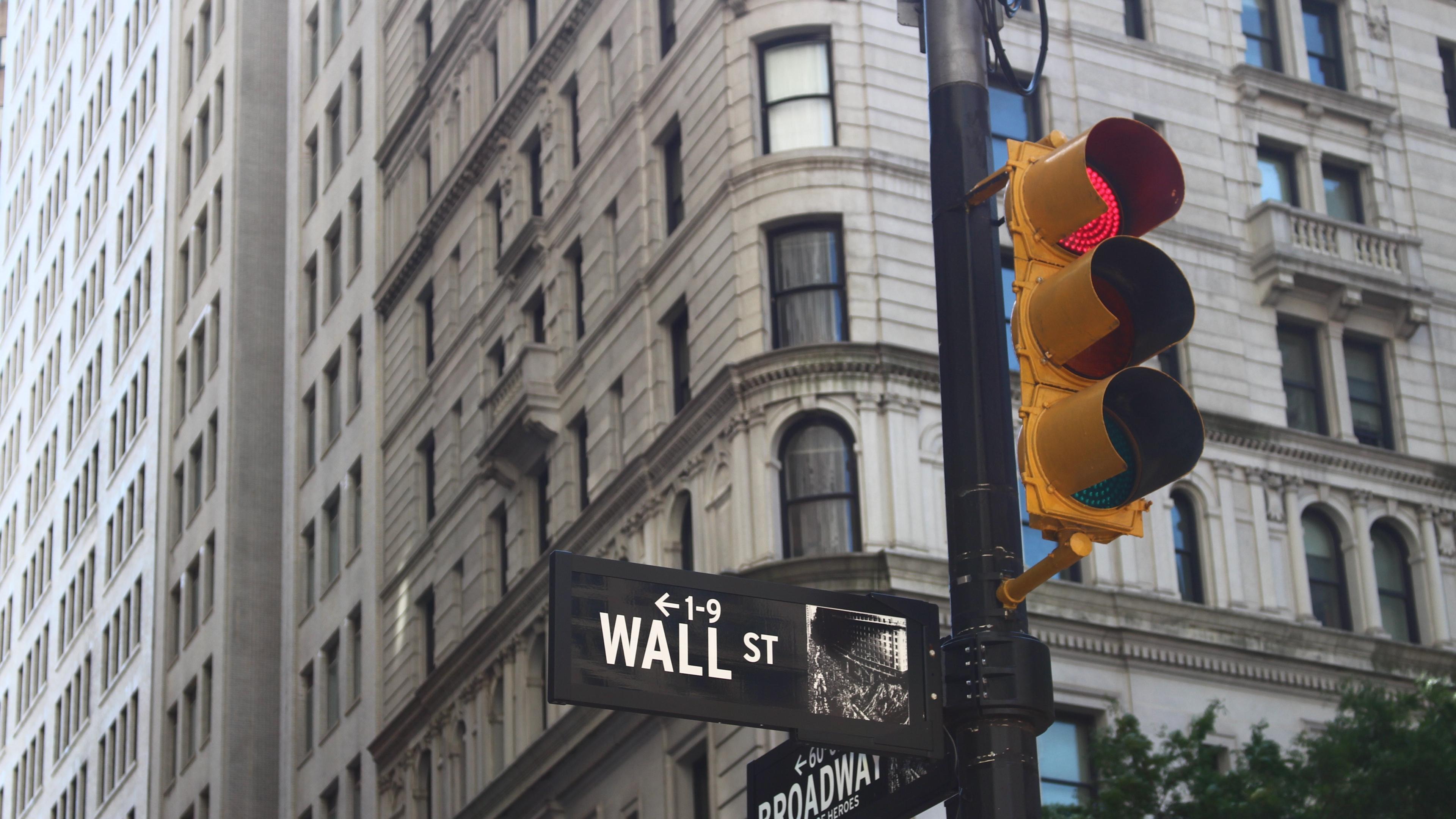 traffic light street pillar 4k 1538066596 - traffic light, street, pillar 4k - traffic light, Street, pillar