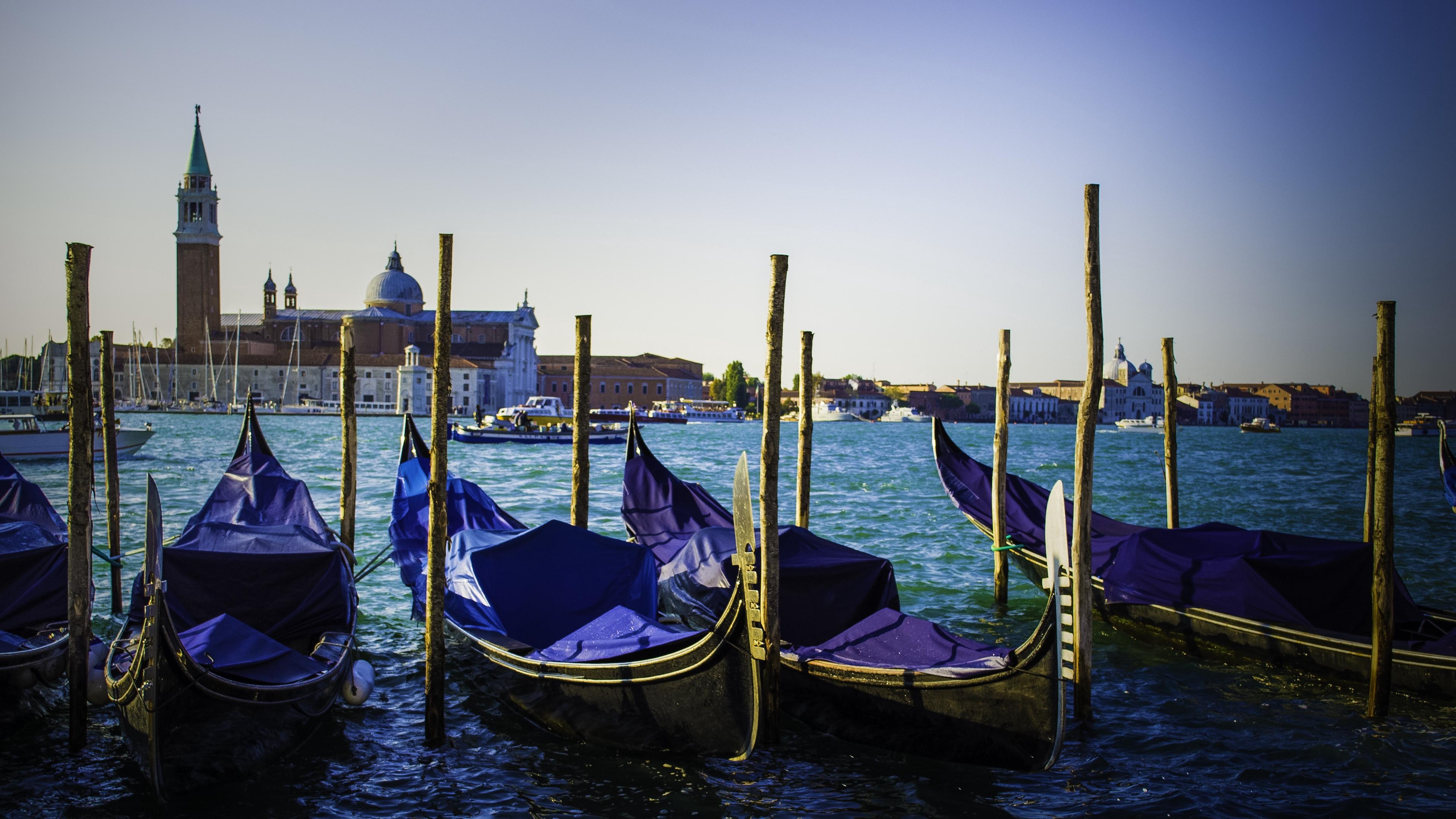 venice italy gondolas river 4k 1538065484 - venice, italy, gondolas, river 4k - Venice, Italy, gondolas
