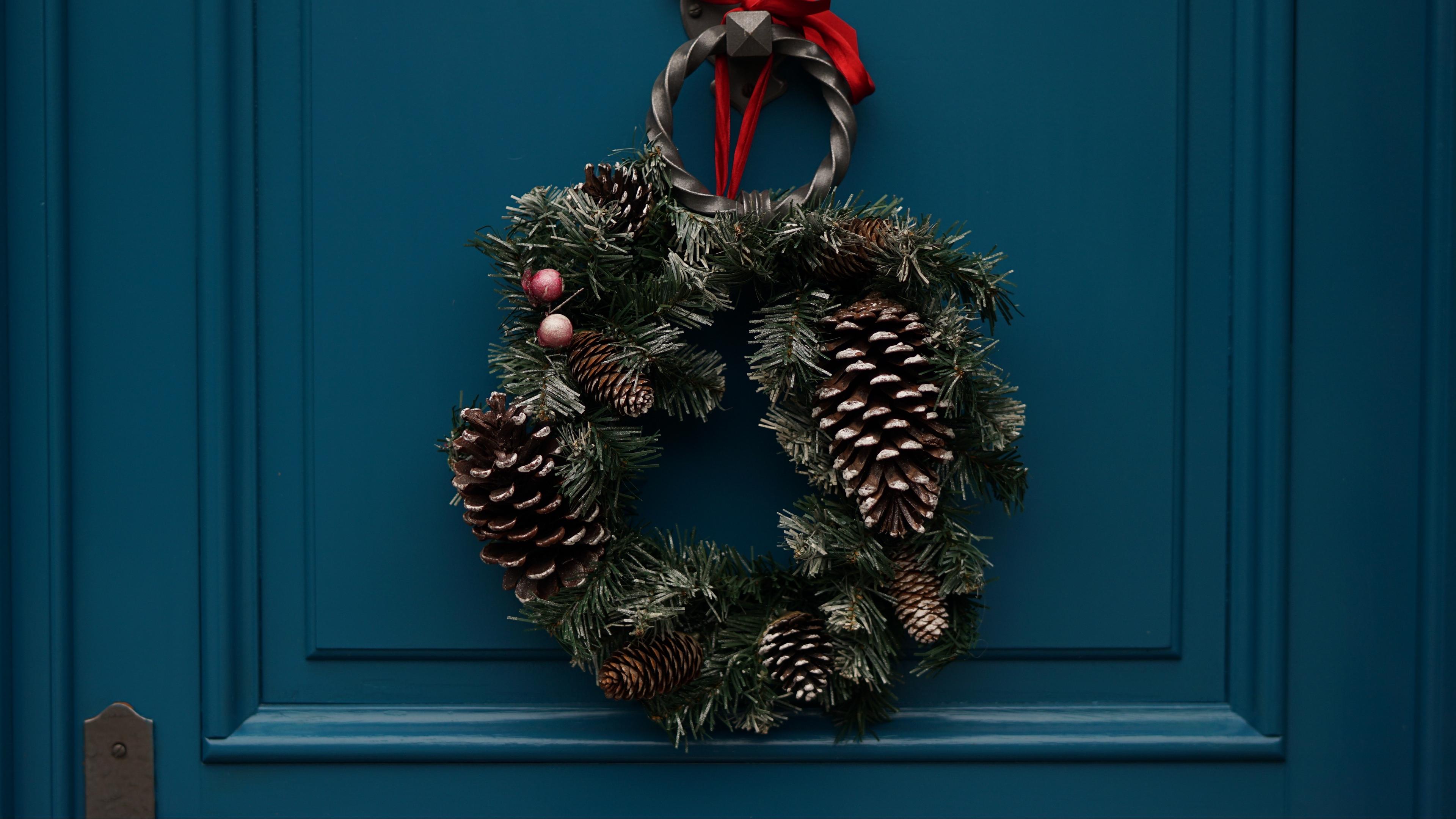 wreath flowers decoration christmas 4k 1538344959 - wreath, flowers, decoration, christmas 4k - wreath, Flowers, decoration