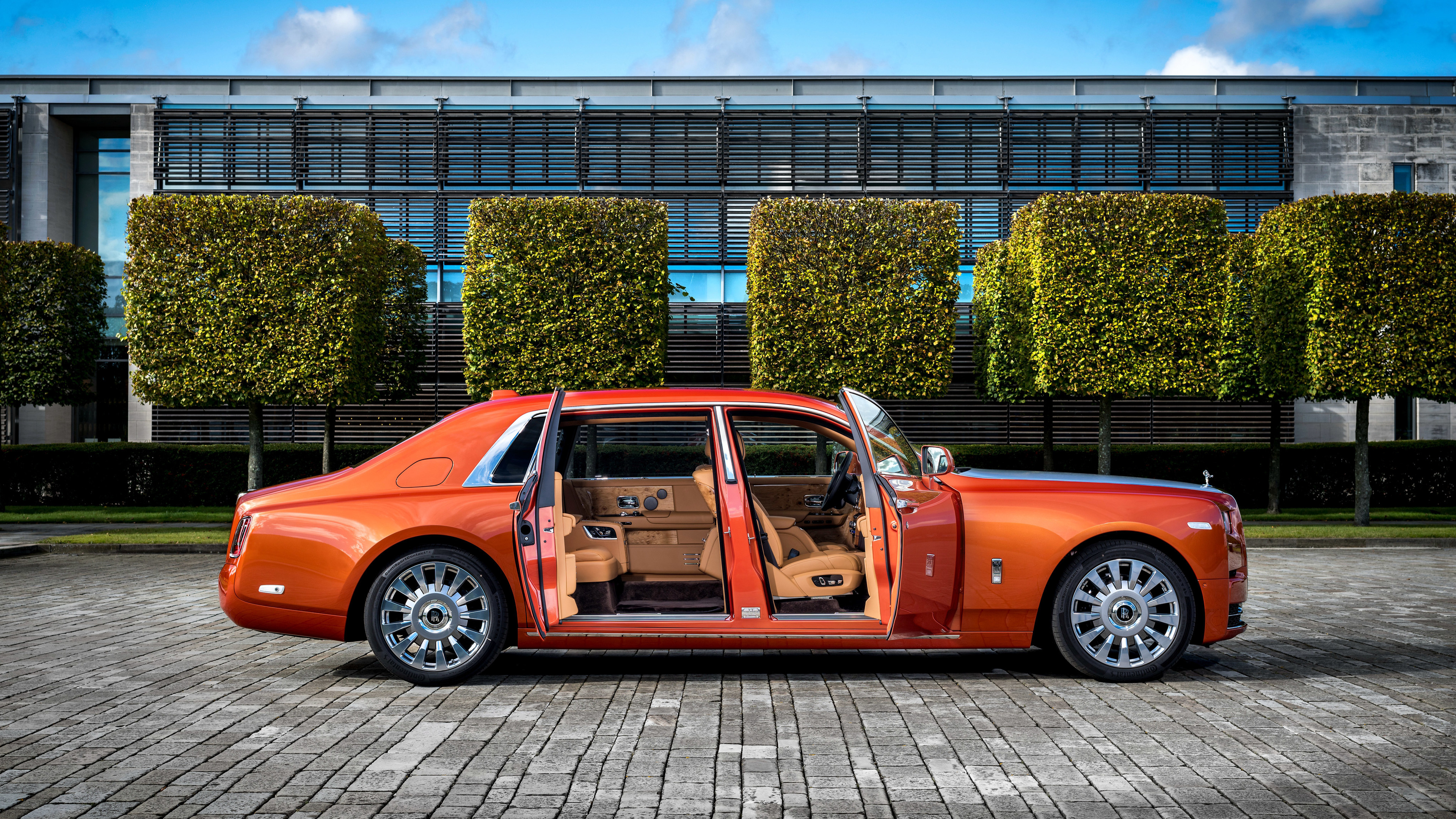 2017 rolls royce phantom ewb 1539107112 - 2017 Rolls Royce Phantom EWB - rolls royce wallpapers, rolls royce phantom wallpapers, rolls royce phantom ewb wallpapers, hd-wallpapers, cars wallpapers, 4k-wallpapers, 2017 cars wallpapers