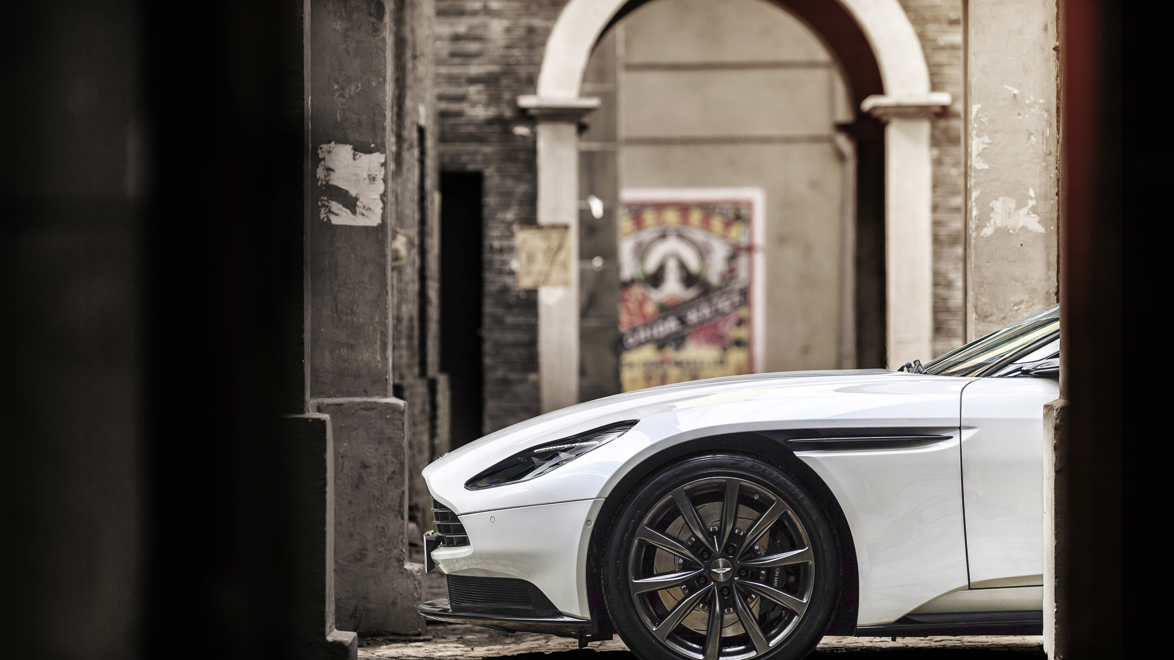 2018 aston martin db11 v8 1539105557 - 2018 Aston Martin DB11 V8 - hd-wallpapers, cars wallpapers, aston martin wallpapers, aston martin db11 wallpapers, 4k-wallpapers, 2018 cars wallpapers