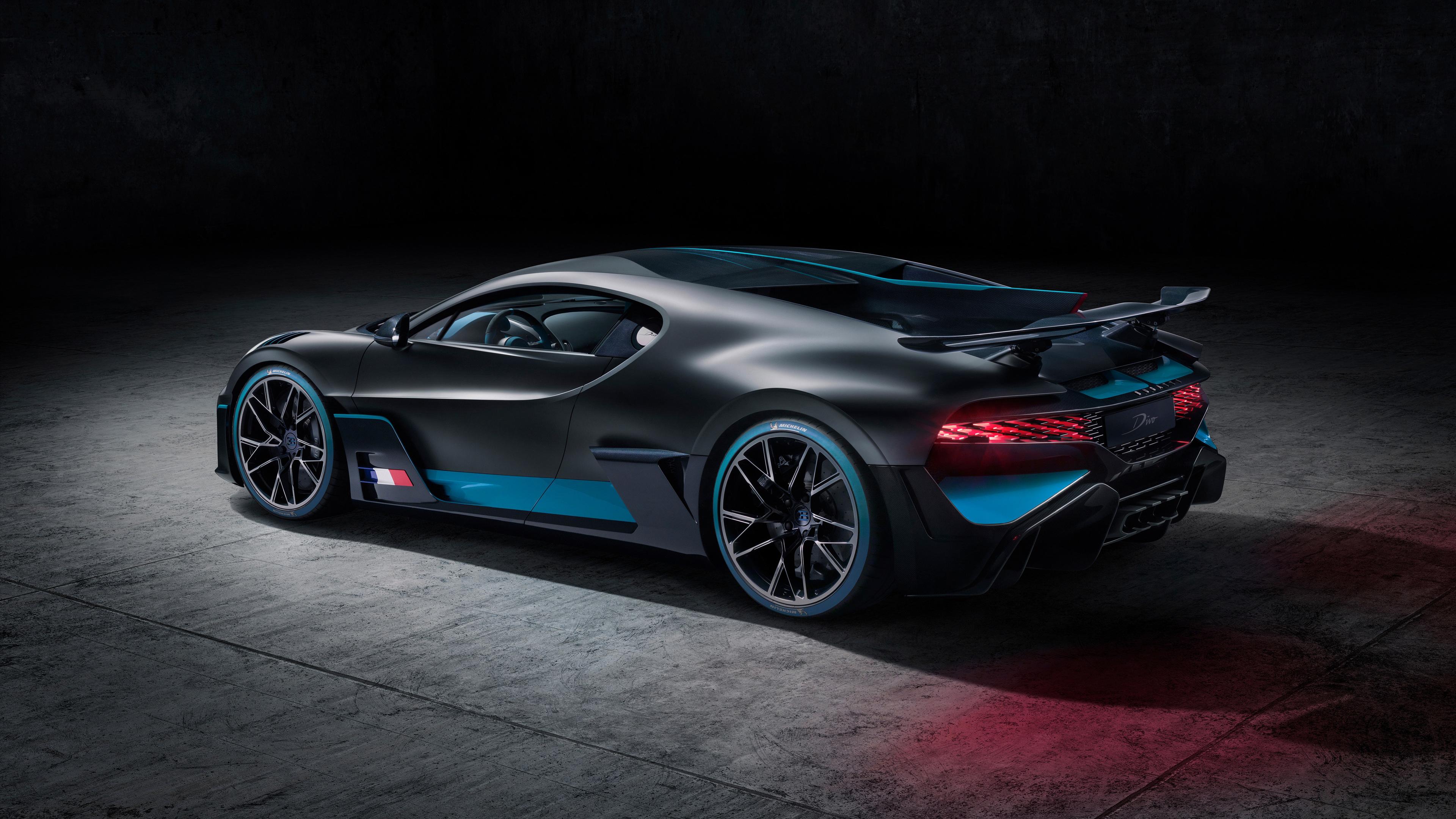 2018 bugatti divo rear side view 1539113999 - 2018 Bugatti Divo Rear Side View - hd-wallpapers, cars wallpapers, bugatti wallpapers, bugatti divo wallpapers, 4k-wallpapers, 2018 cars wallpapers