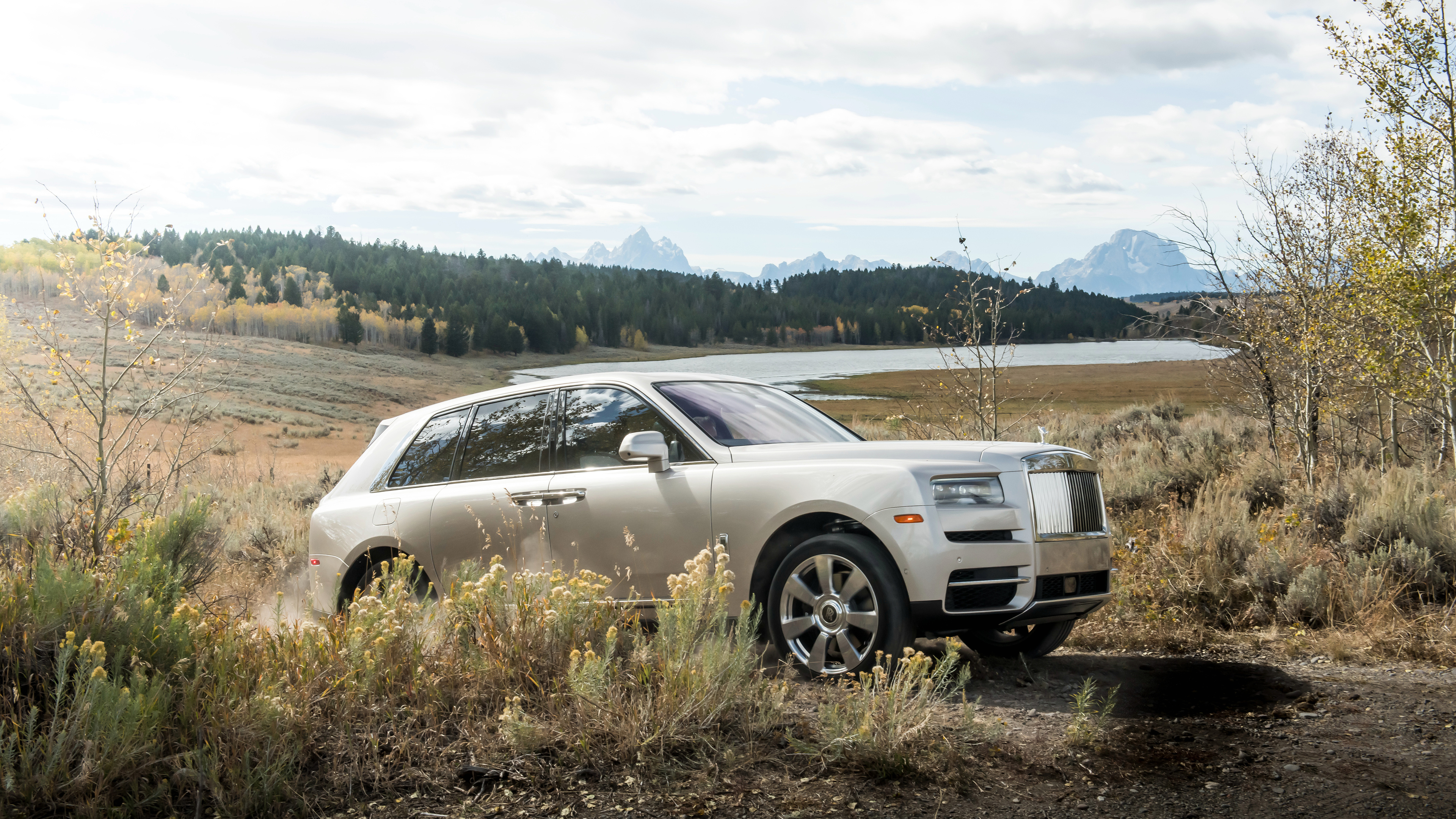 2019 rolls royce suv cullinan 4k 1539792960 - 2019 Rolls Royce SUV Cullinan 4k - rolls royce wallpapers, rolls royce cullinan wallpapers, hd-wallpapers, cars wallpapers, 4k-wallpapers, 2019 cars wallpapers