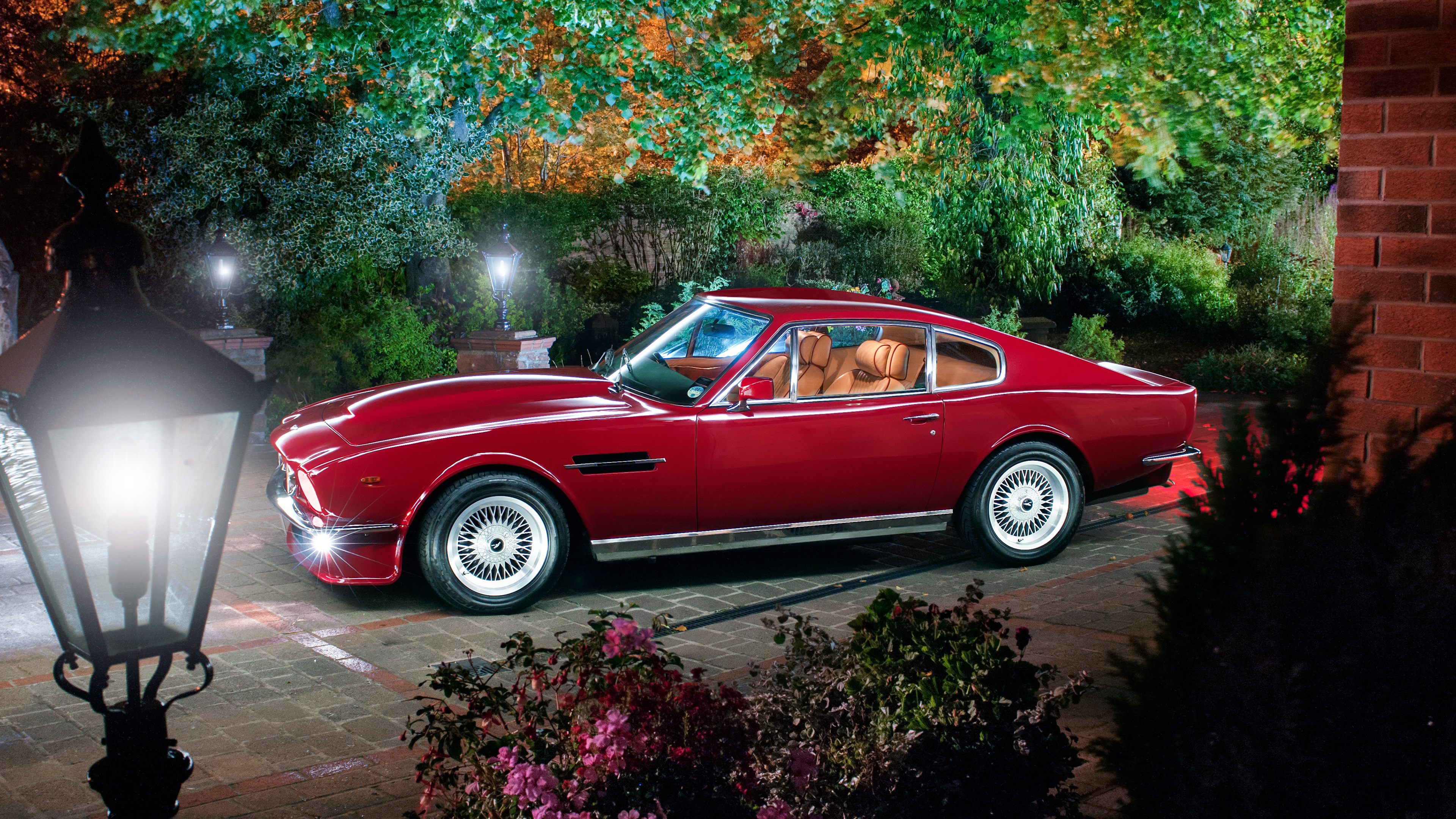 aston martin retro car 1539108927 - Aston Martin Retro Car - vintage wallpapers, retro wallpapers, hd-wallpapers, cars wallpapers, aston martin wallpapers, 4k-wallpapers