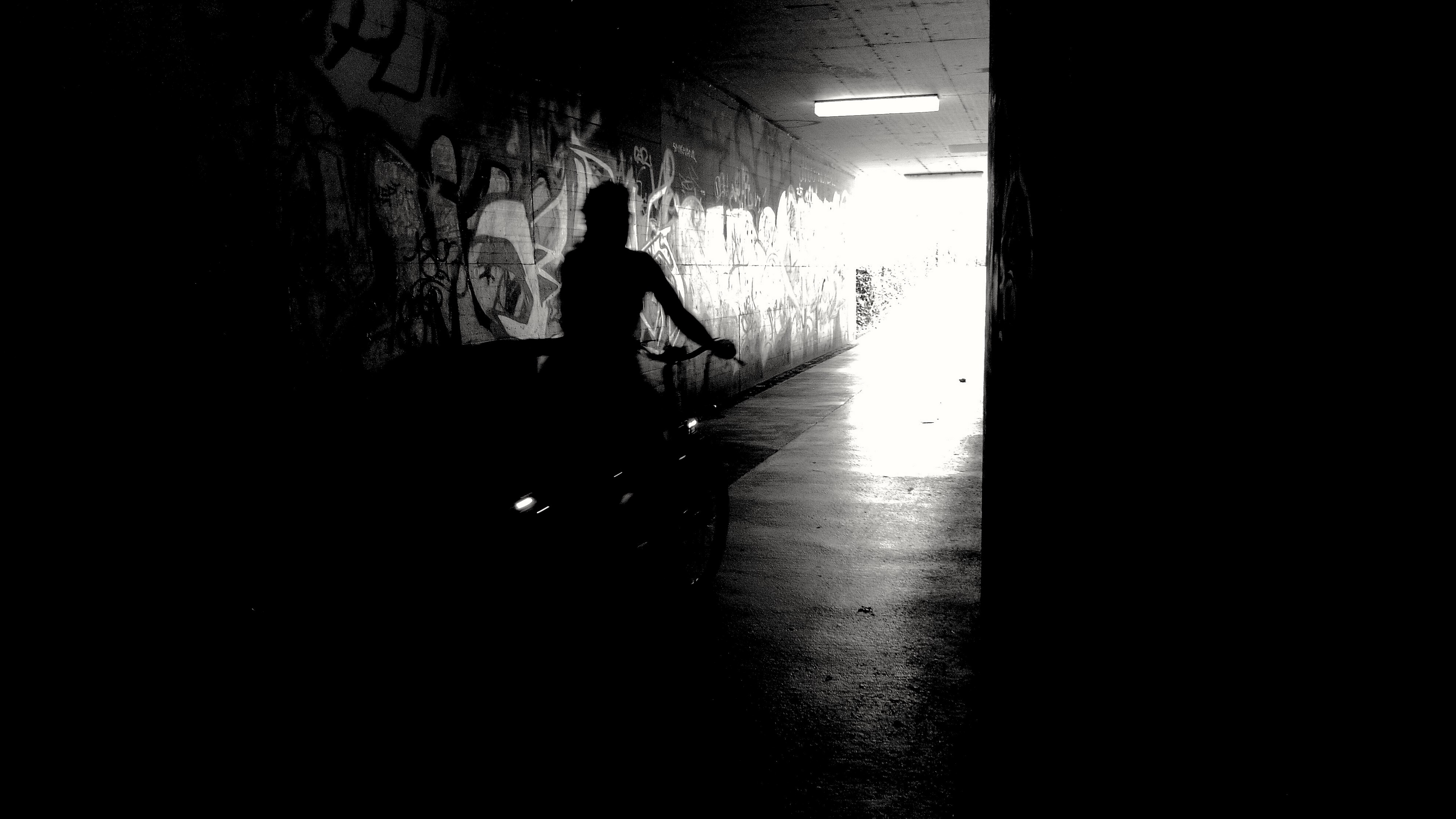 bicyclist bw silhouette graffiti 4k 1540575360 - bicyclist, bw, silhouette, graffiti 4k - Silhouette, bw, bicyclist