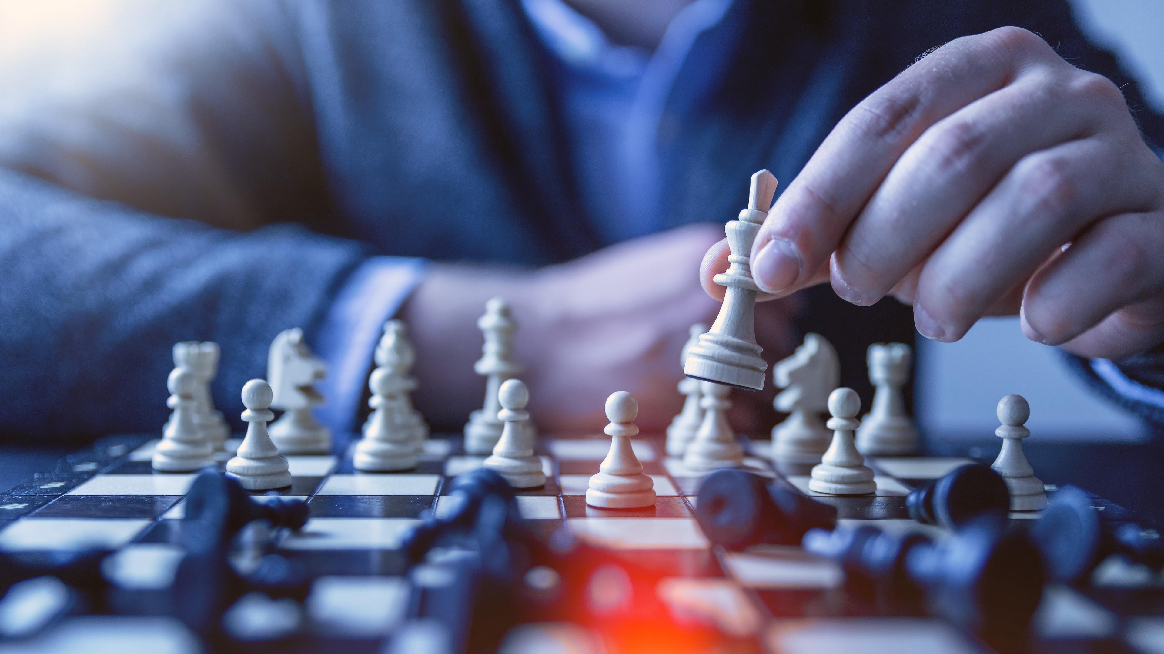 chess pawn queen tactics 4k 1540062816 - chess, pawn, queen, tactics 4k - Queen, pawn, Chess