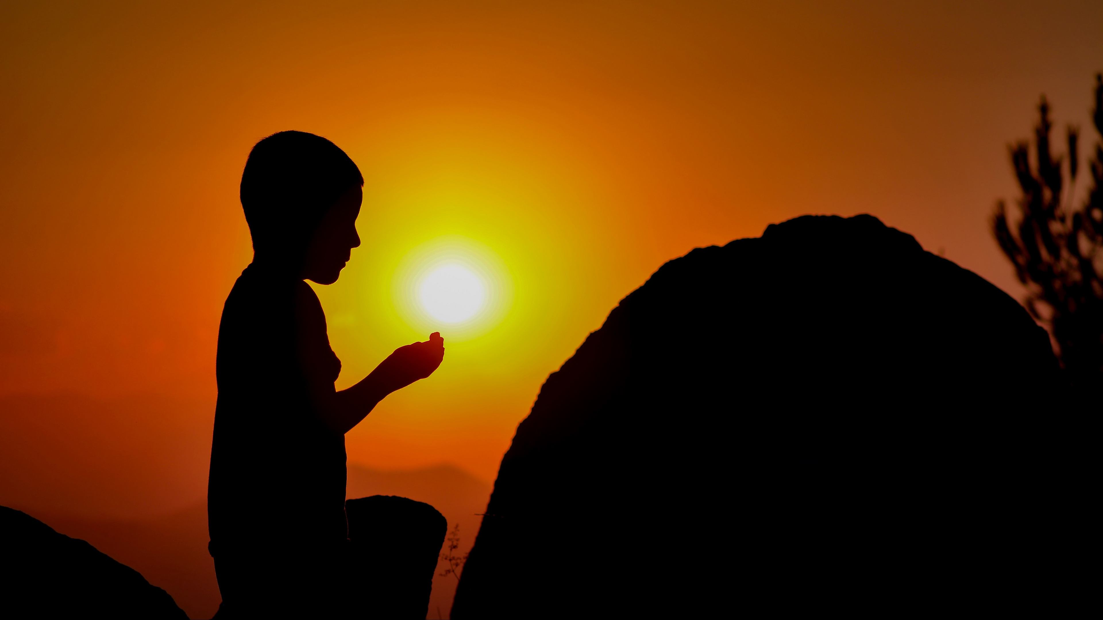 child prayer silhouette 4k 1540575386 - child, prayer, silhouette 4k - Silhouette, Prayer, child