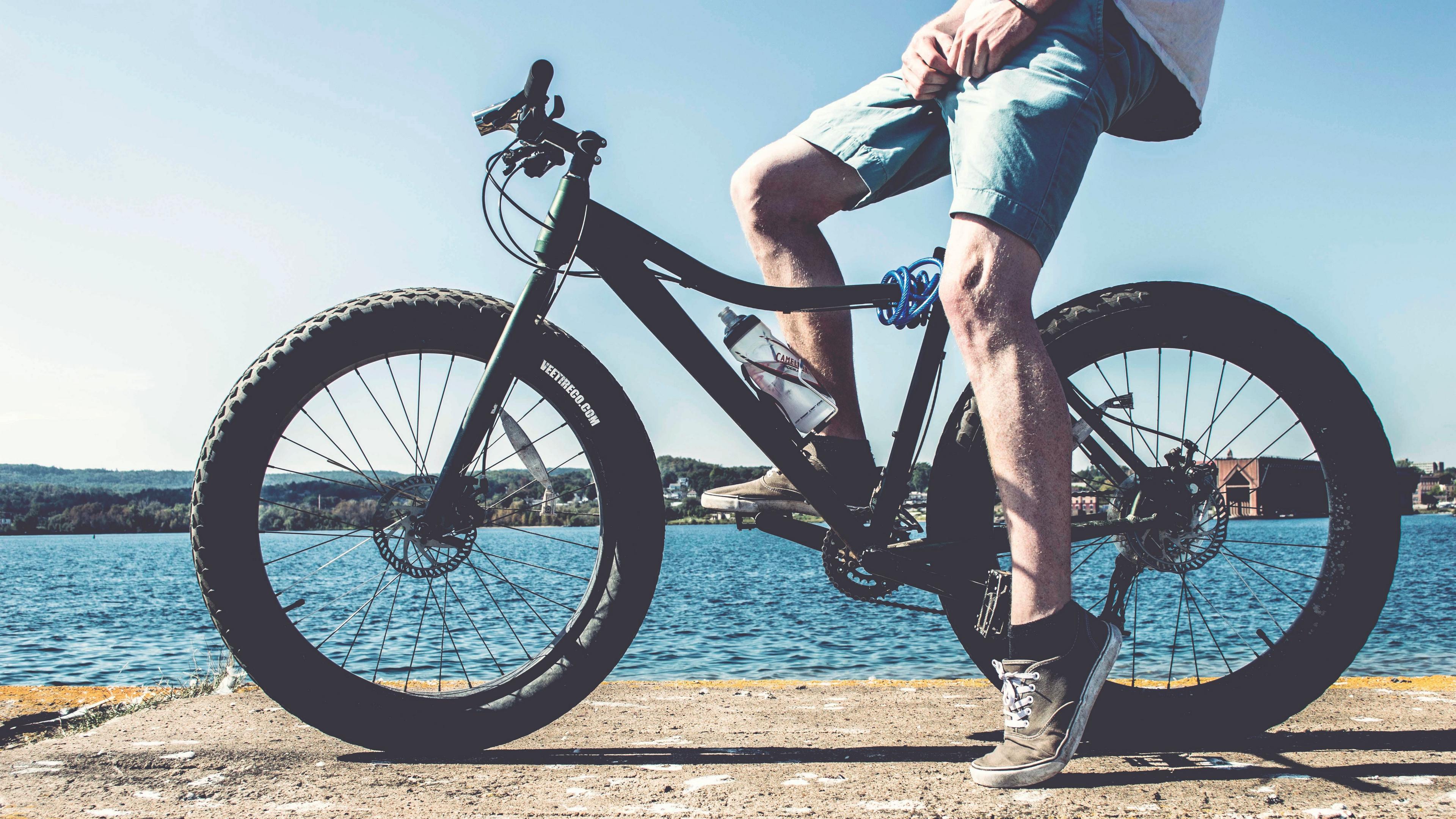 cyclist legs bicycle river 4k 1540062350 - cyclist, legs, bicycle, river 4k - legs, cyclist, Bicycle