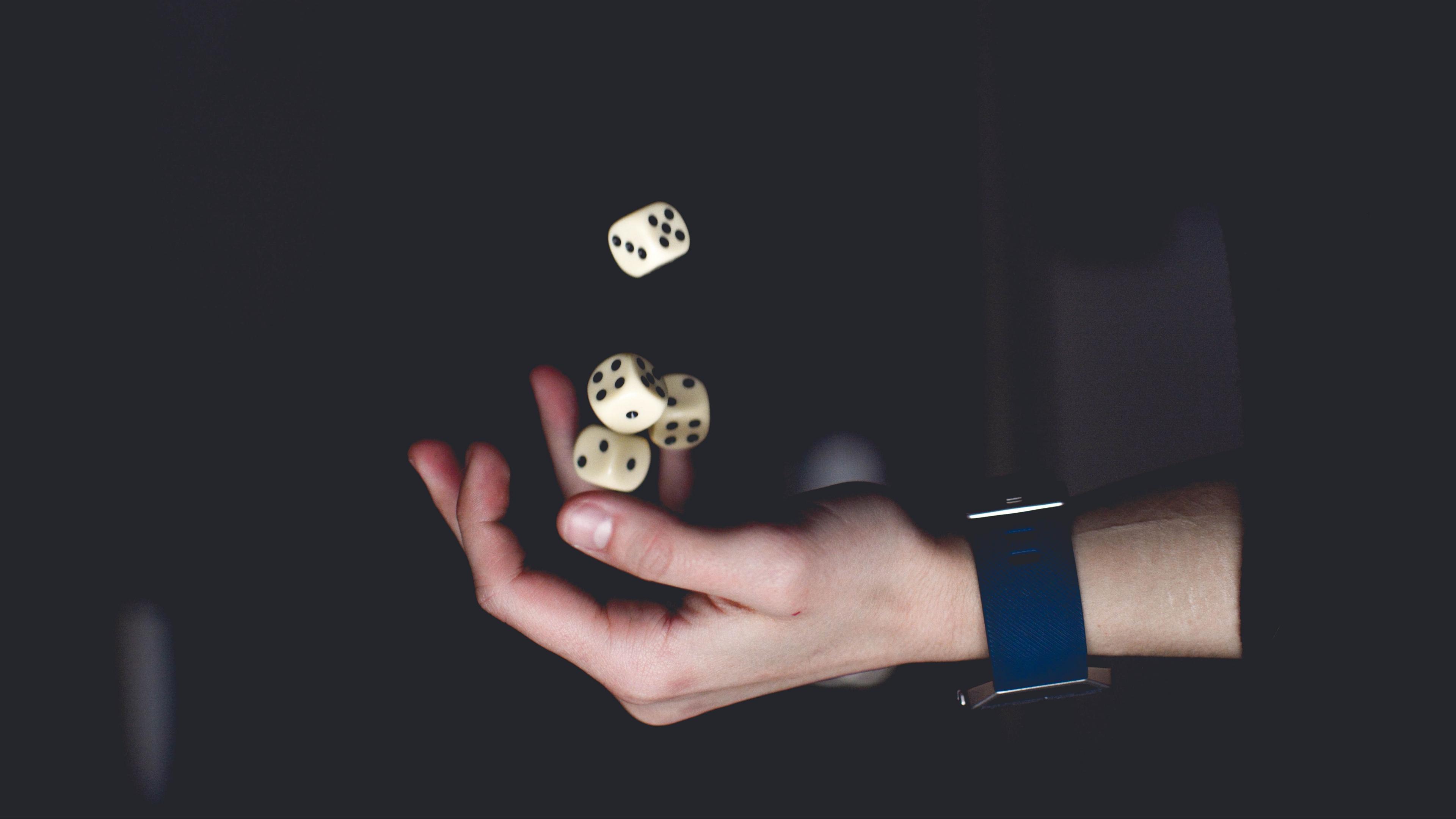 dice dices hand toss 4k 1540575110 - dice, dices, hand, toss 4k - hand, dices, dice