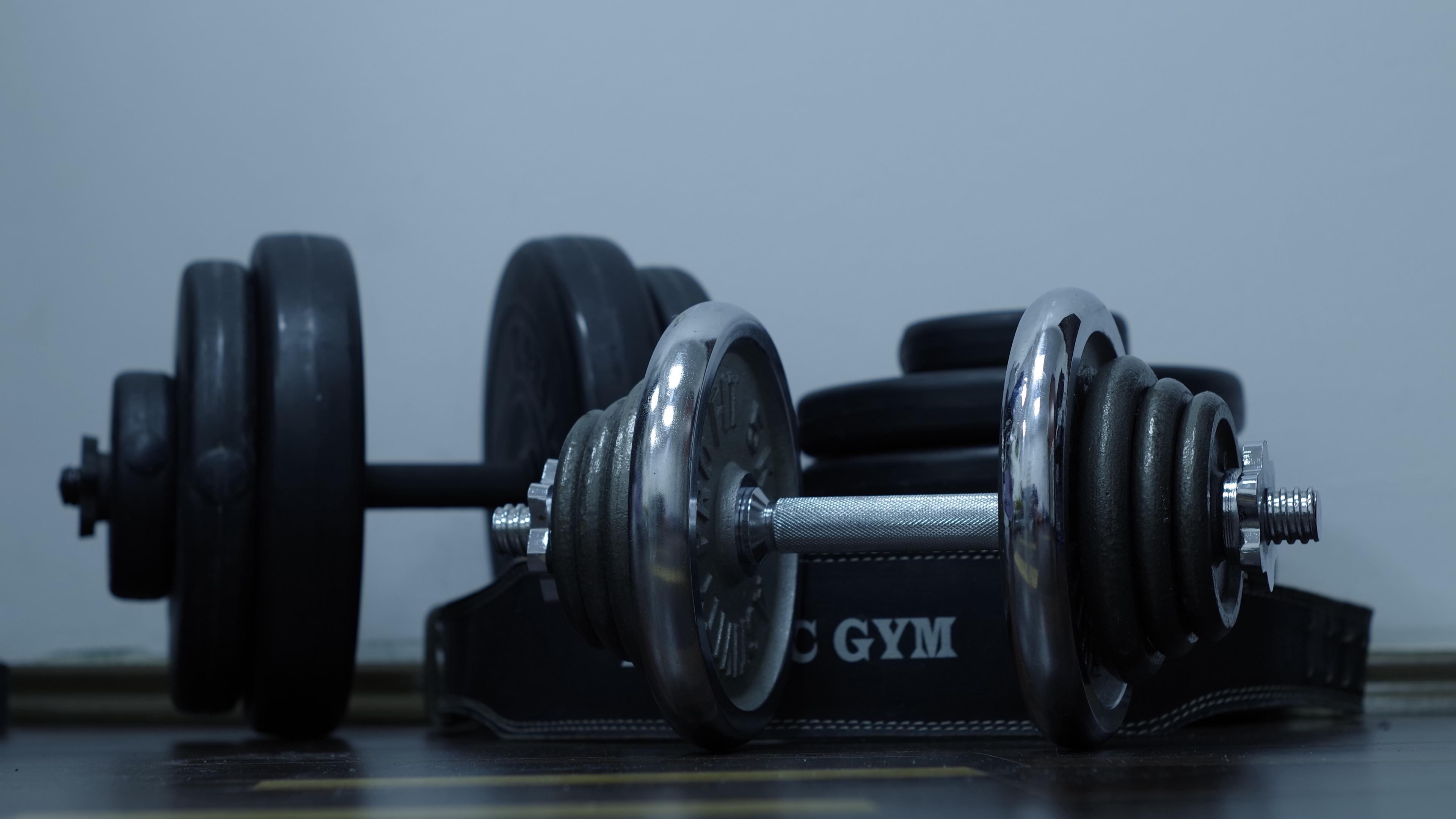dumbbells gym weight disks 4k 1540063283 - dumbbells, gym, weight, disks 4k - weight, gym, dumbbells