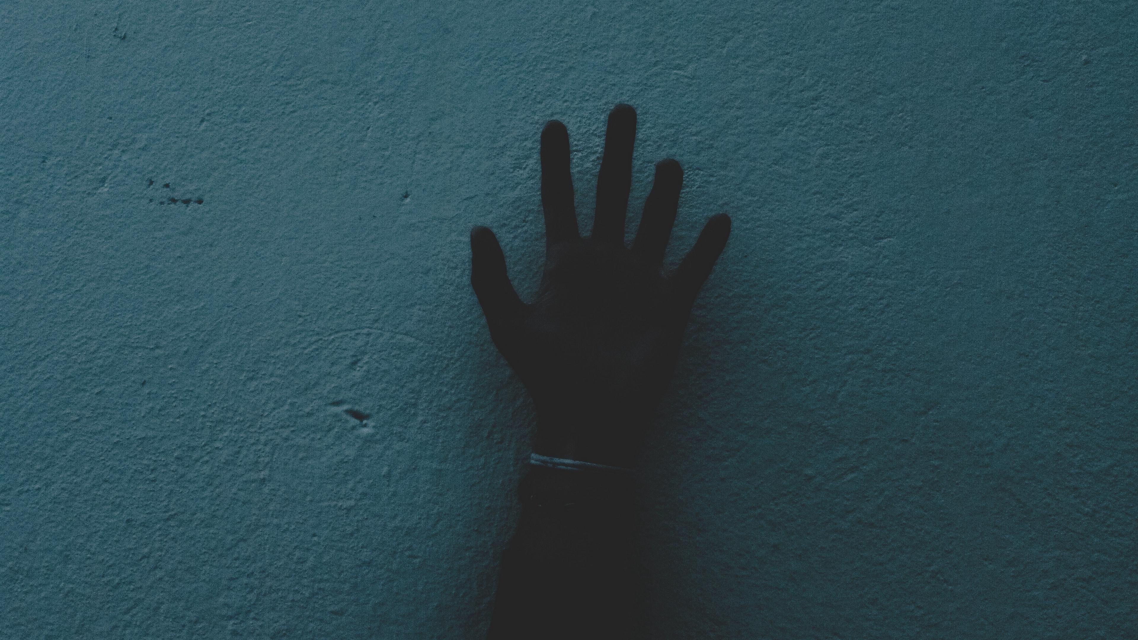 hand wall dark 4k 1540575273 - hand, wall, dark 4k - WALL, hand, Dark