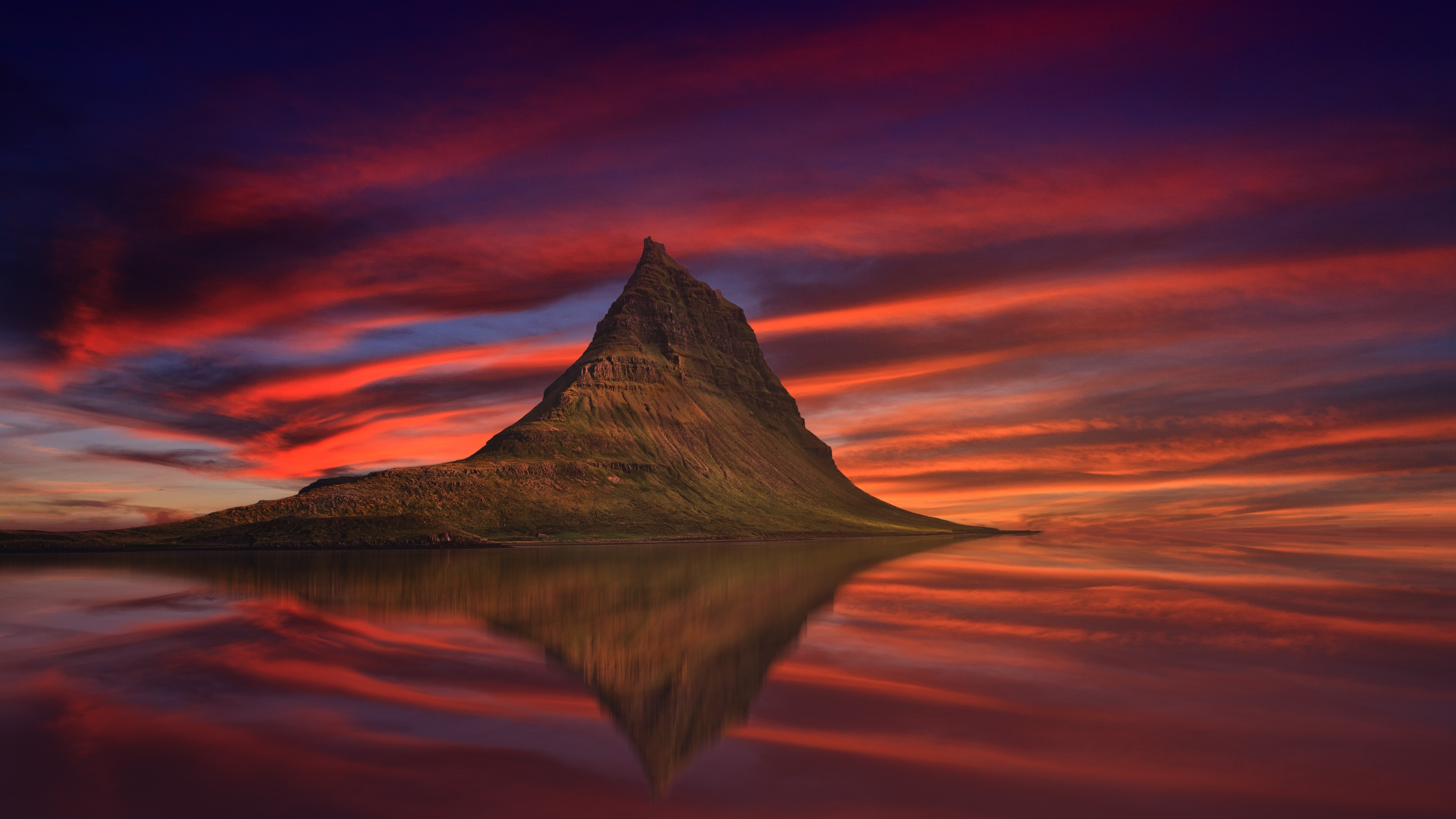kirkjufell mountain abenrot sunset dusk 1540136620 - Kirkjufell Mountain Abenrot Sunset Dusk - sunset wallpapers, nature wallpapers, mountains wallpapers, hd-wallpapers, dusk wallpapers, 4k-wallpapers