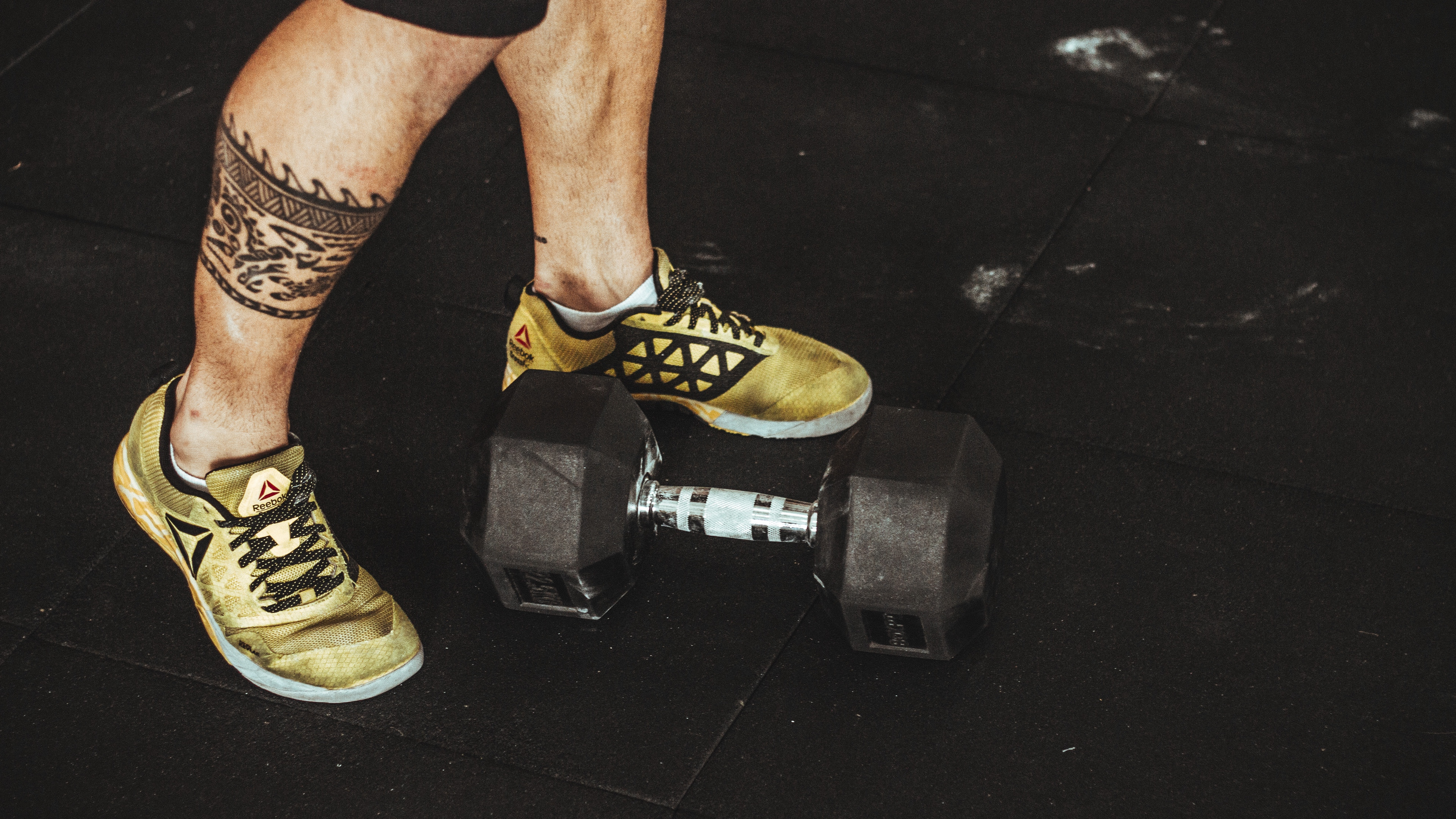 legs dumbbell sport bodybuilding 4k 1540060846 - legs, dumbbell, sport, bodybuilding 4k - Sport, legs, dumbbell