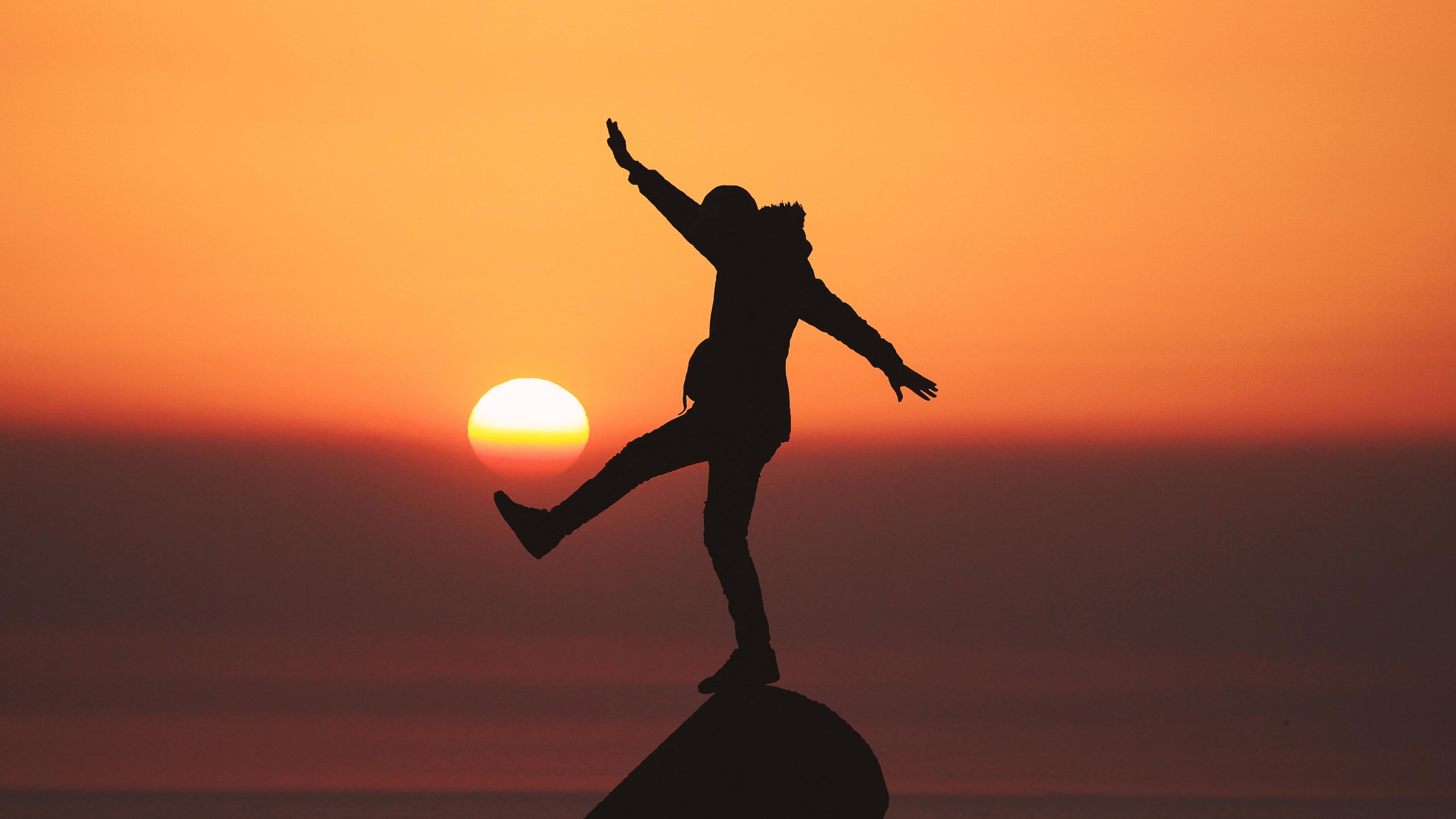 man silhouette sun sunset 4k 1540576440 - man, silhouette, sun, sunset 4k - Sun, Silhouette, Man