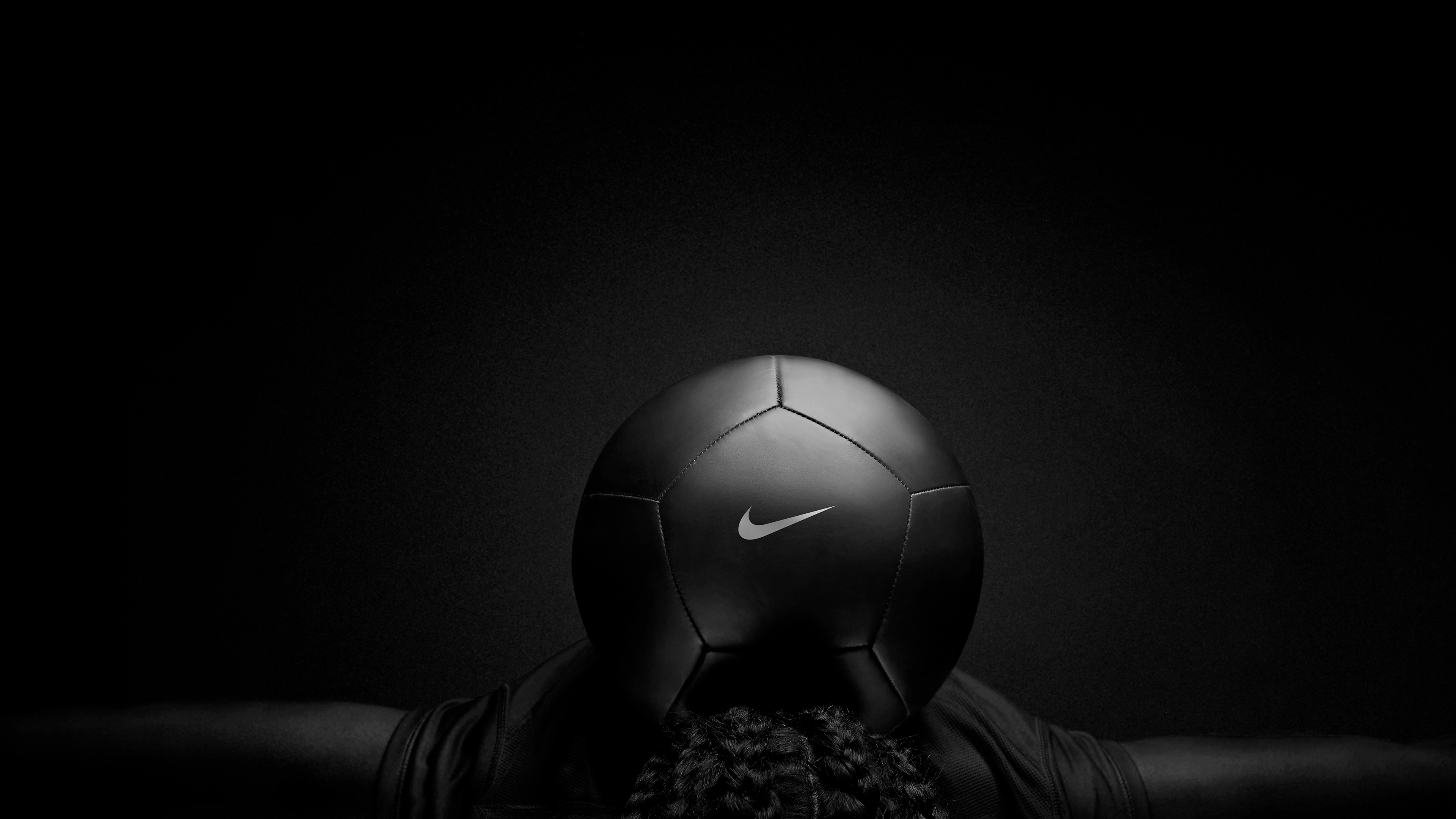 Wallpaper 4k Nike Black Play Football 4k Wallpapers Dark