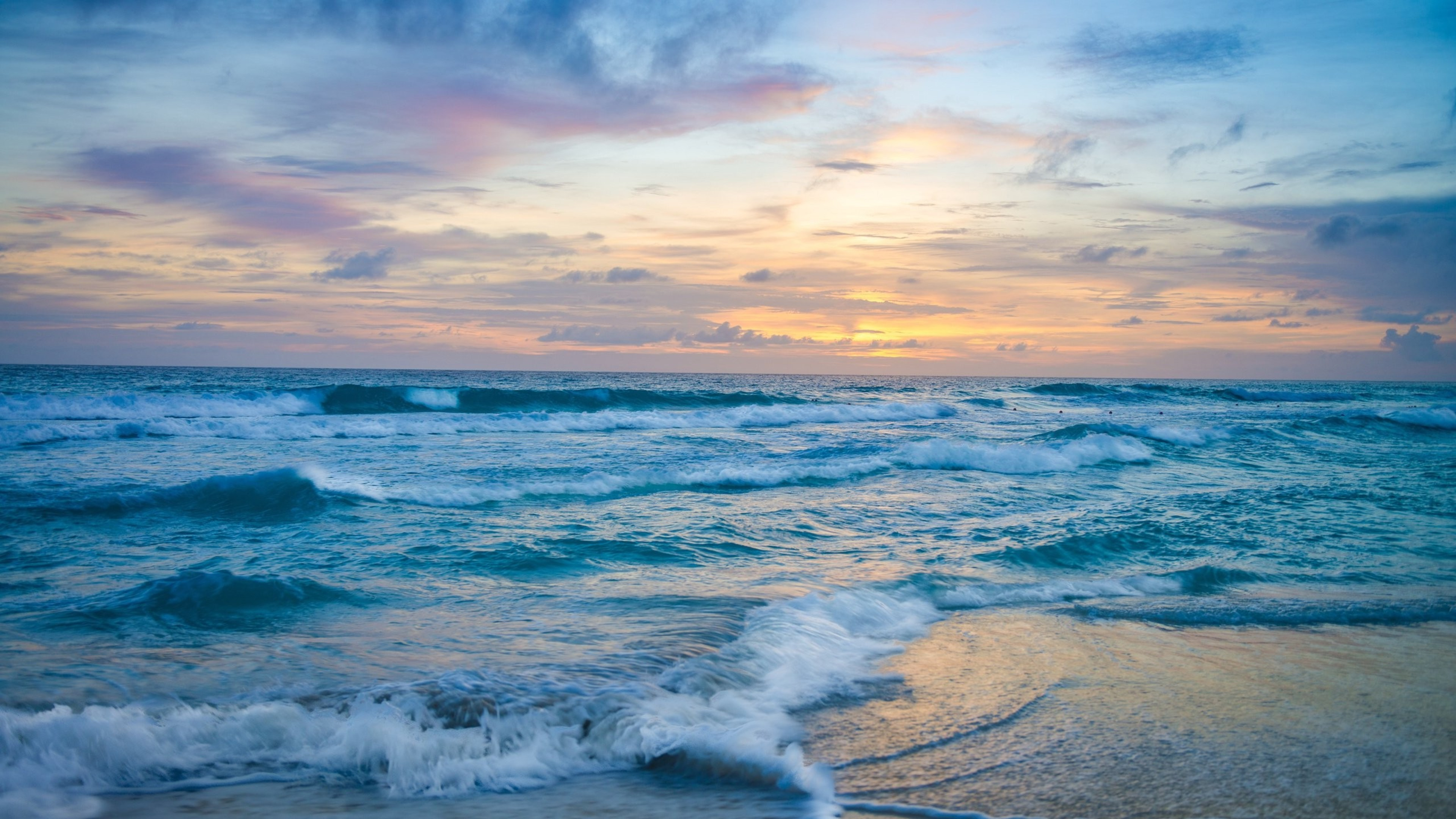 ocean waves at sunset 4k 1540131381 - Ocean Waves at Sunset  4k - waves wallpapers, sunset wallpapers, ocean wallpapers, nature wallpapers