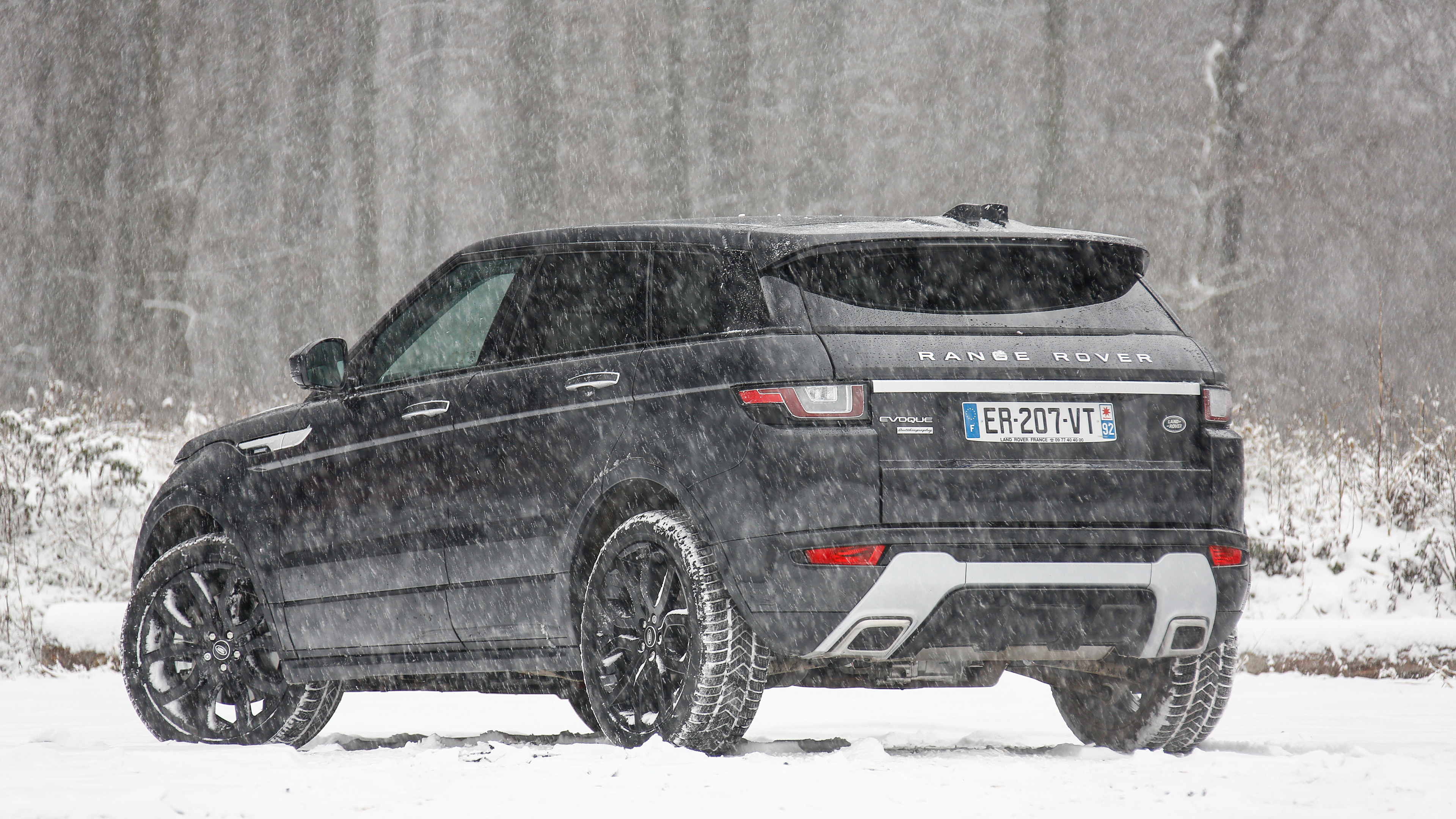 range rover evoque autobiography si4 back view 1539108774 - Range Rover Evoque Autobiography Si4 Back View - range rover wallpapers, range rover evoque wallpapers, hd-wallpapers, cars wallpapers, 4k-wallpapers, 2018 cars wallpapers