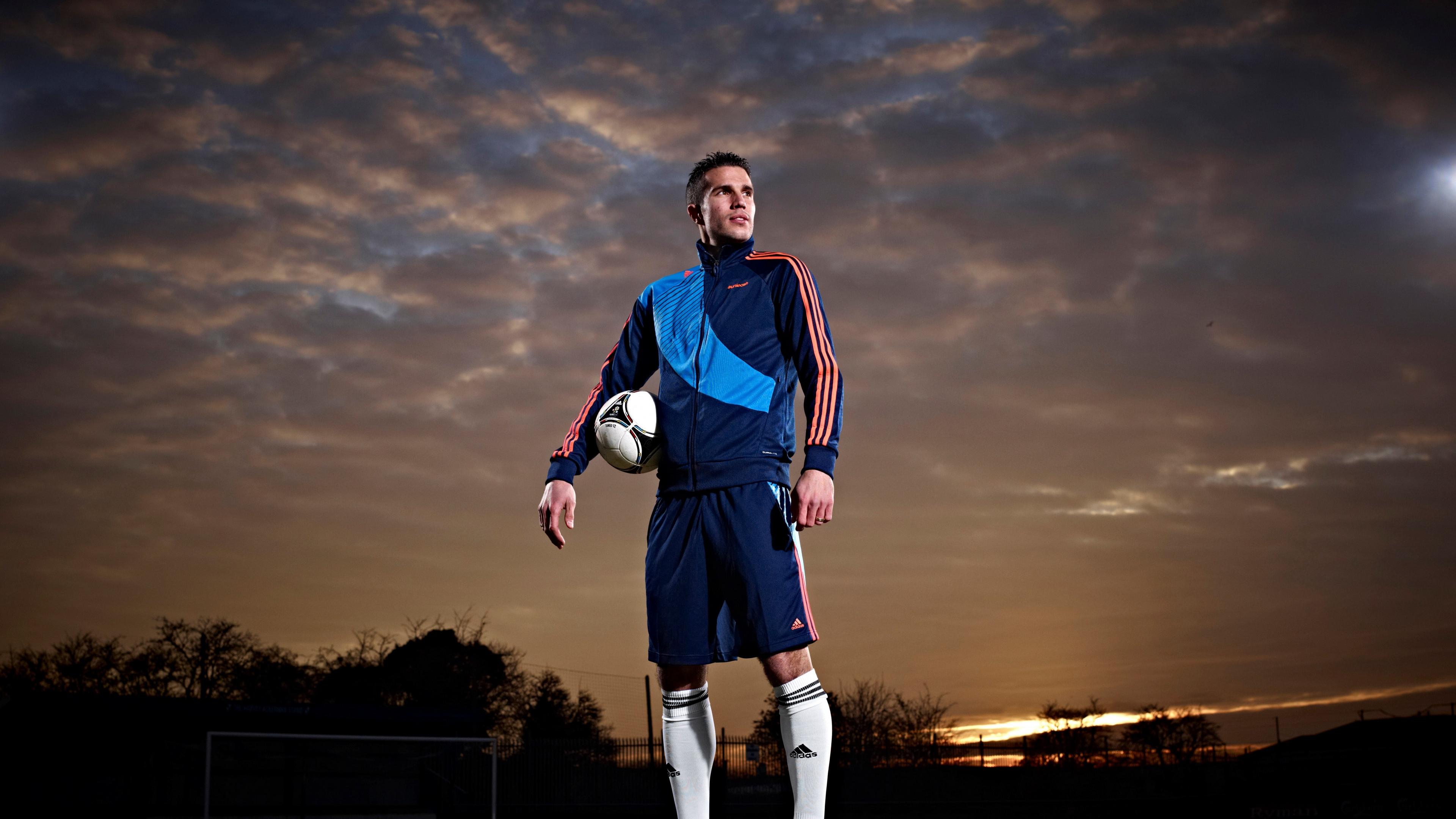 robin van persie manchester united footballer 4k 1540062552 - robin van persie, manchester united, footballer 4k - robin van persie, manchester united, footballer