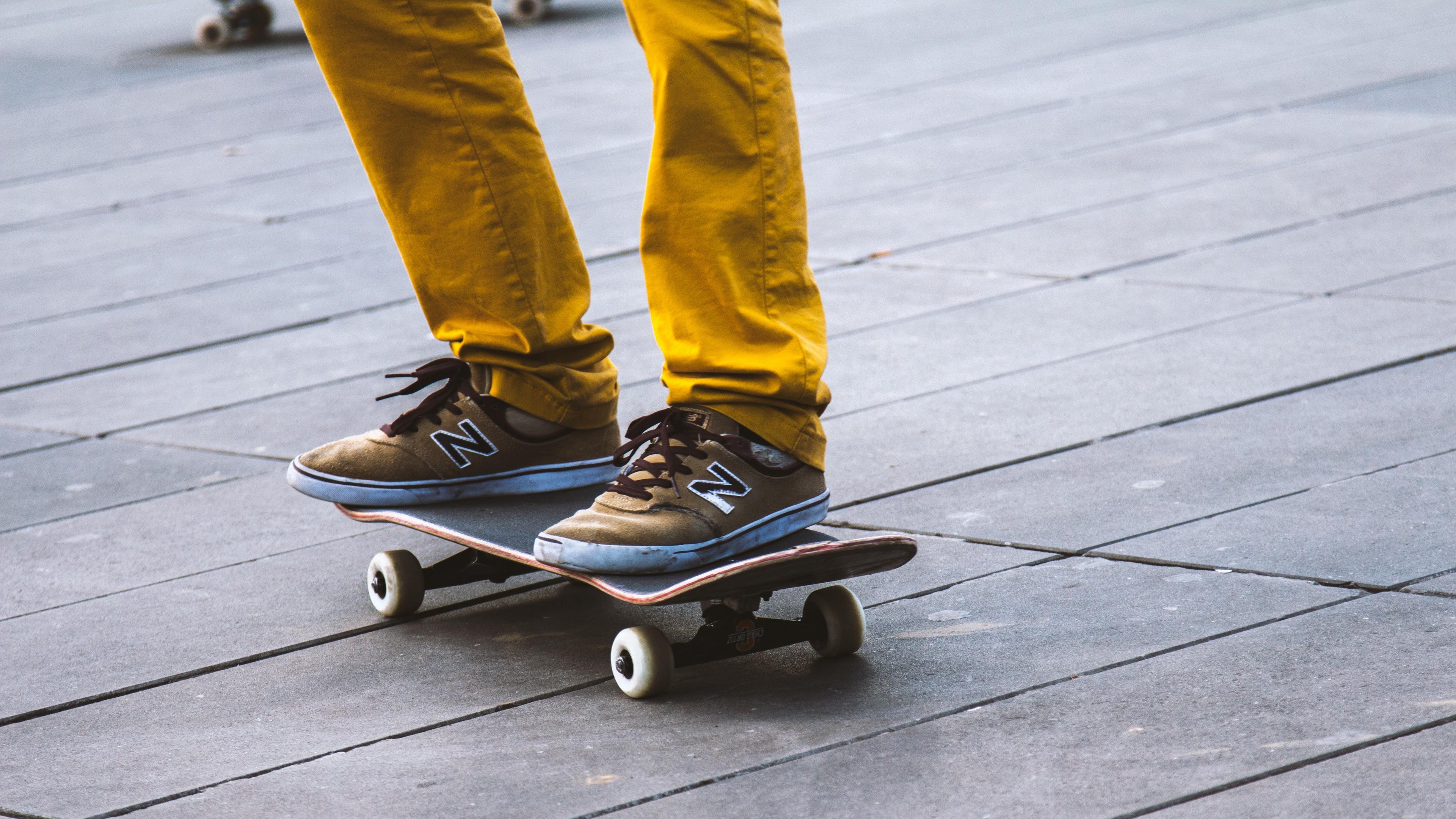 skateboard sneakers legs 4k 1540060848 - skateboard, sneakers, legs 4k - sneakers, skateboard, legs